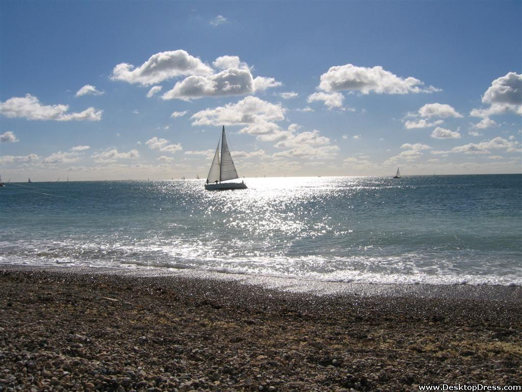 Desktop Wallpapers » Natural Backgrounds » Brighton Beach » www