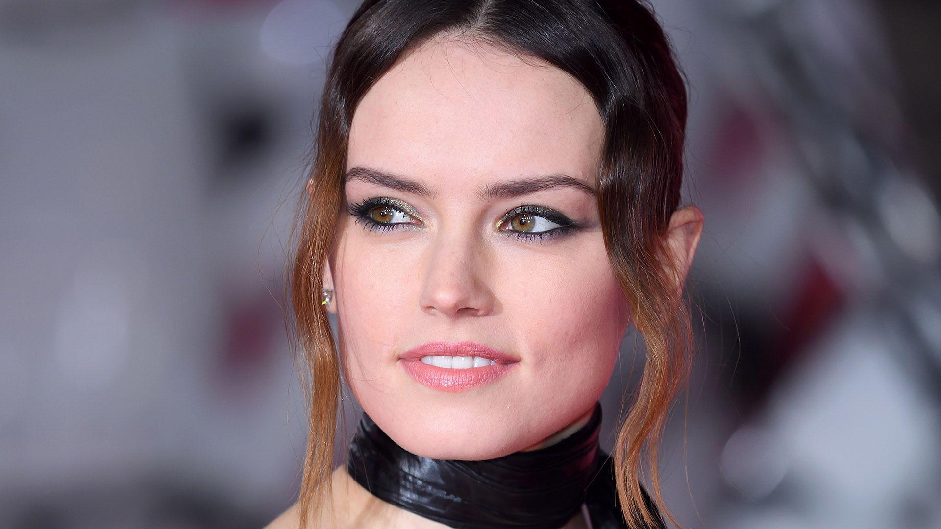 Star Wars' Star Daisy Ridley Dyed Her Hair Blonde | StyleCaster