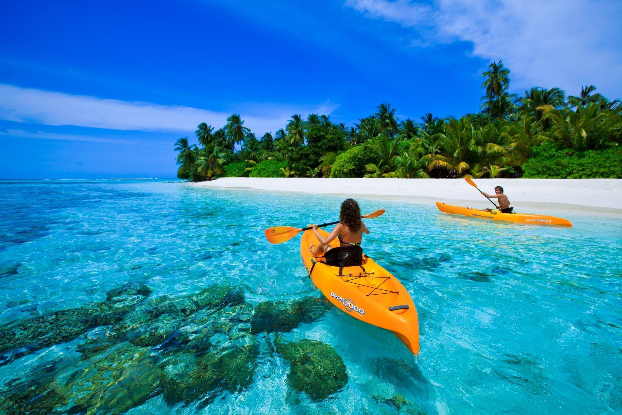 Canoe On Blue Lagoon In Maldives HD desktop wallpapers : Widescreen