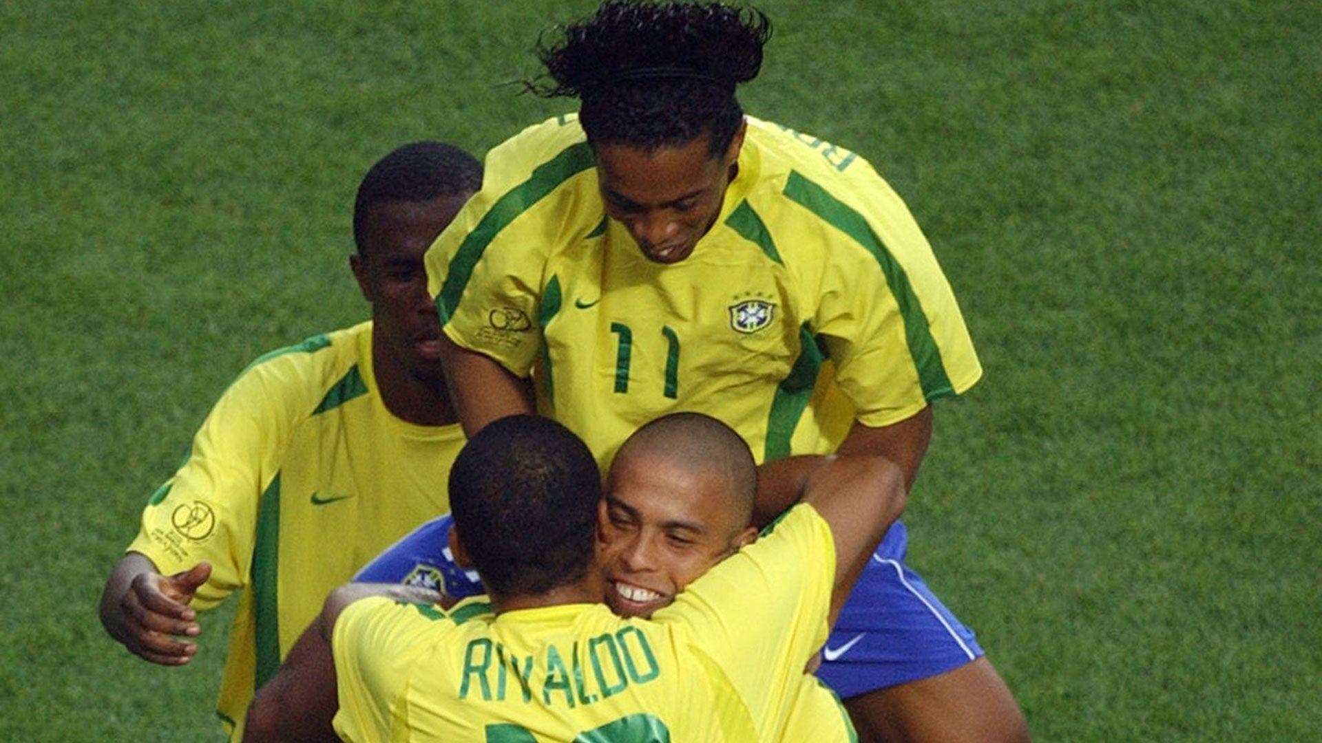 Ronaldo And Ronaldinho Wallpapers Wallpaper Cave