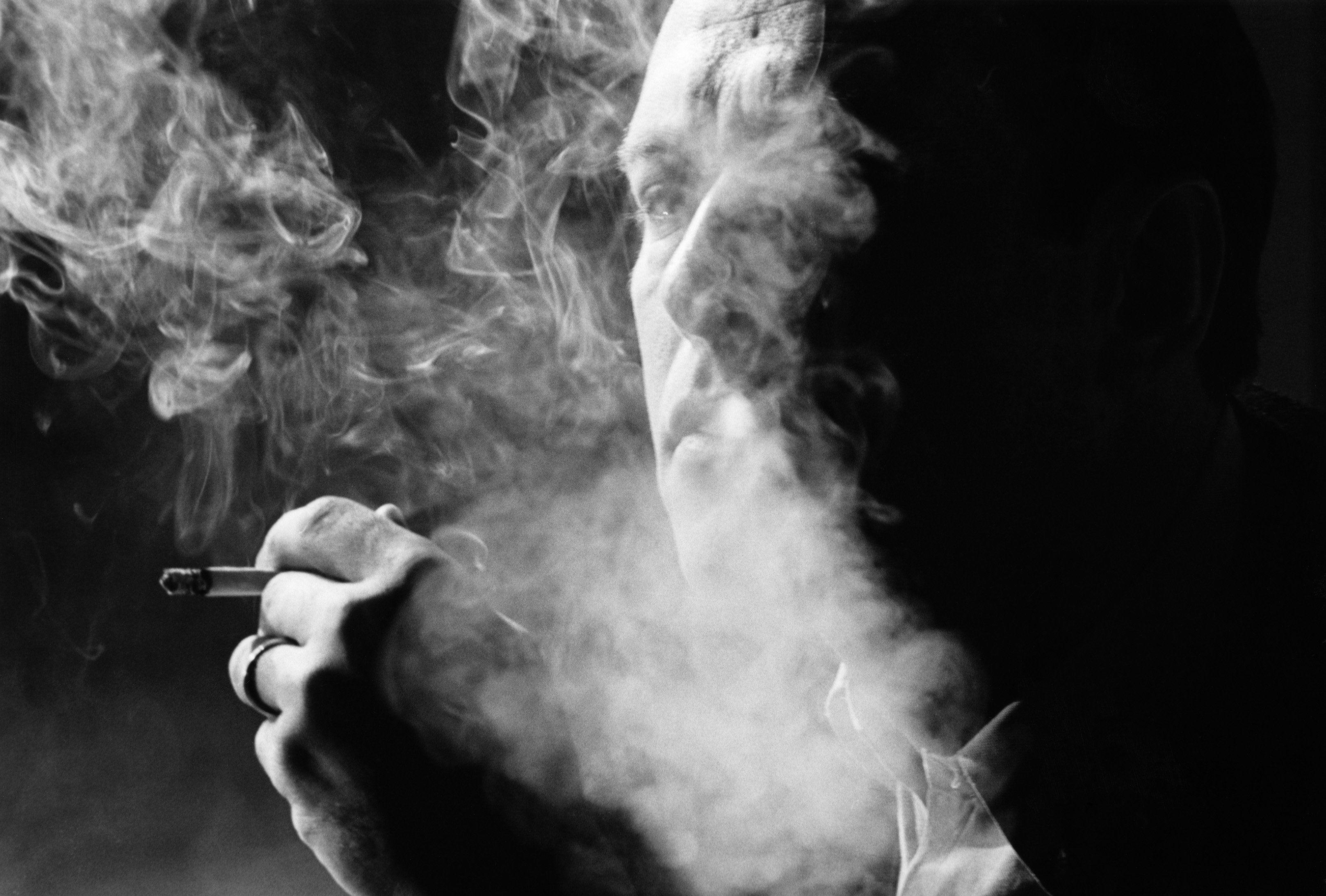 Smoking wallpaper qygjxz