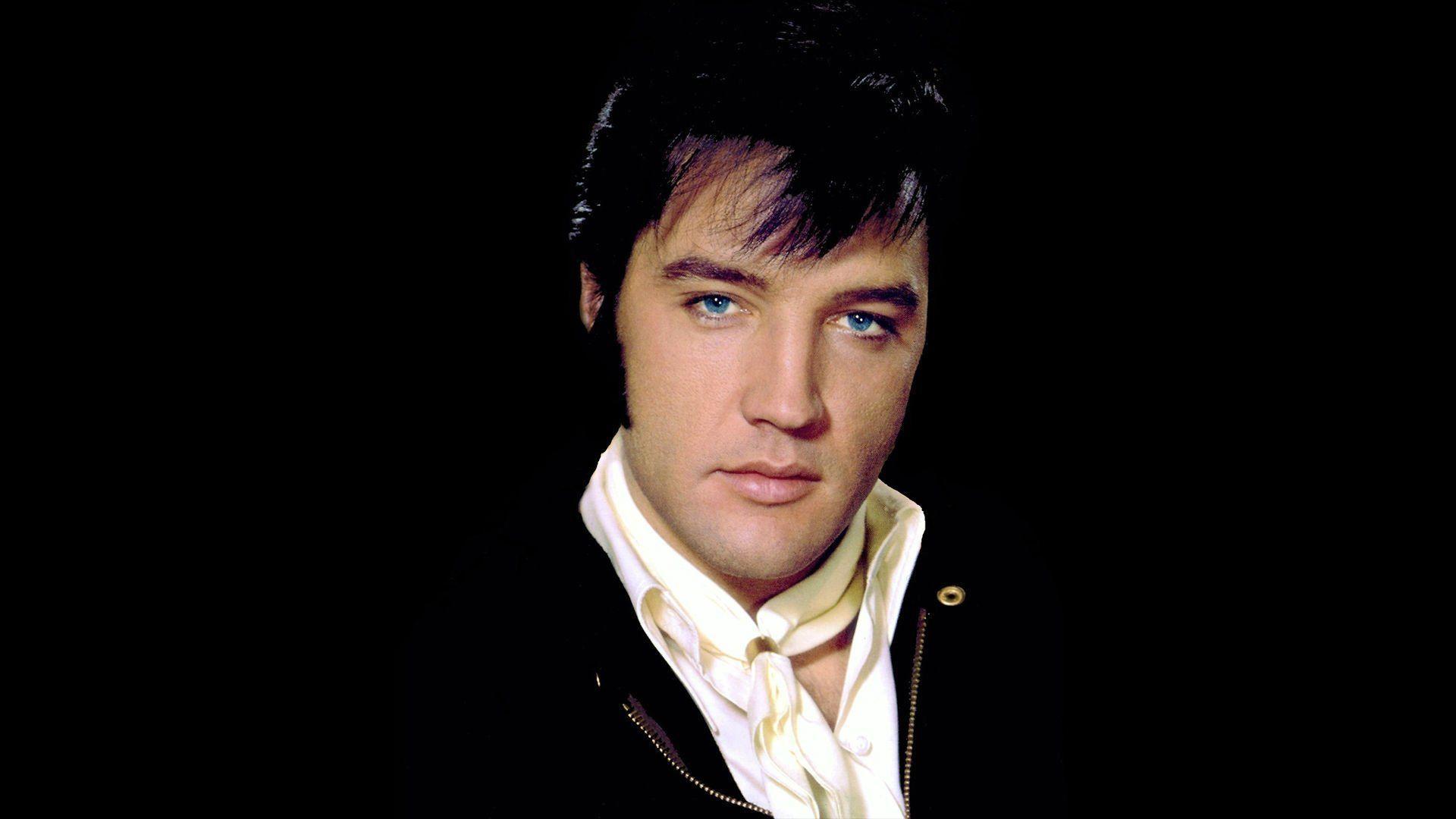 Elvis Aaron Presley Tupelo Mississippi 8 januari 1935 Memphis Tennessee 16 augustus 1977 was een Amerikaans zanger en acteur Hij wordt vaak The King of