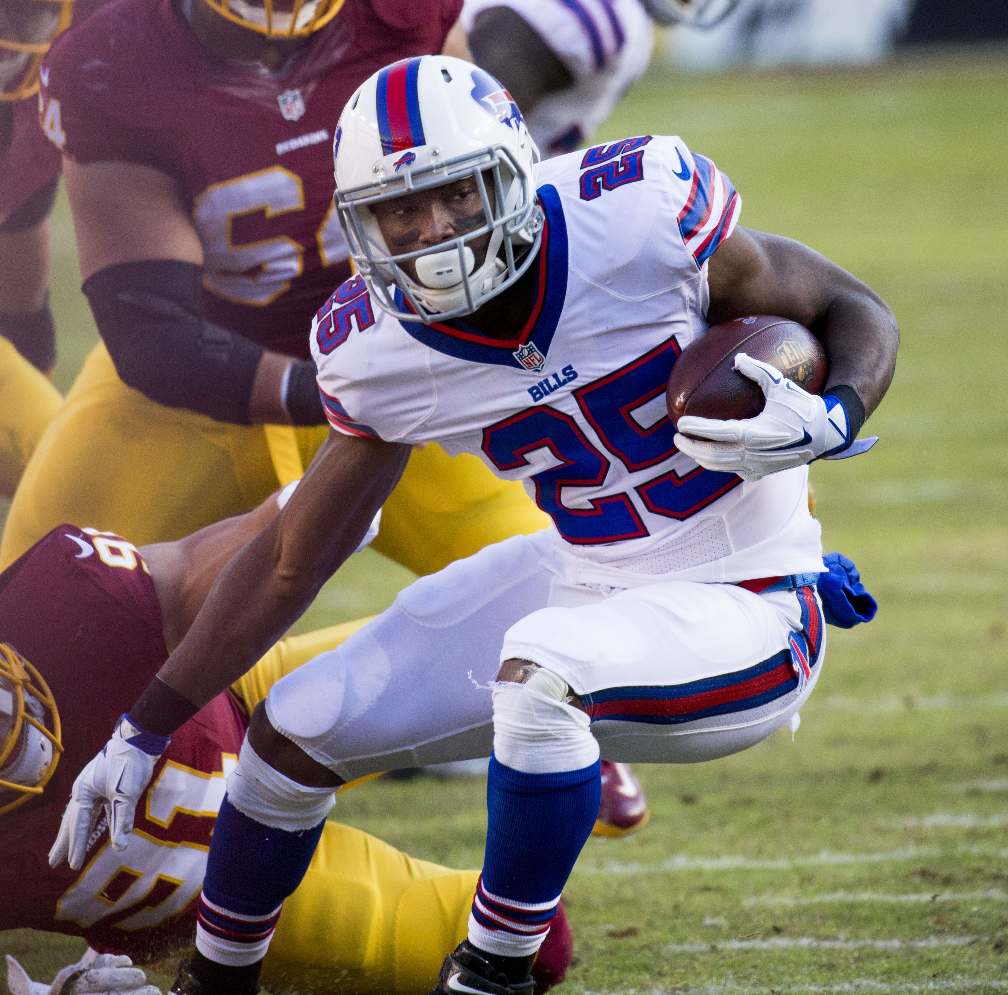 File:LeSean McCoy vs Redskins 2015.jpg