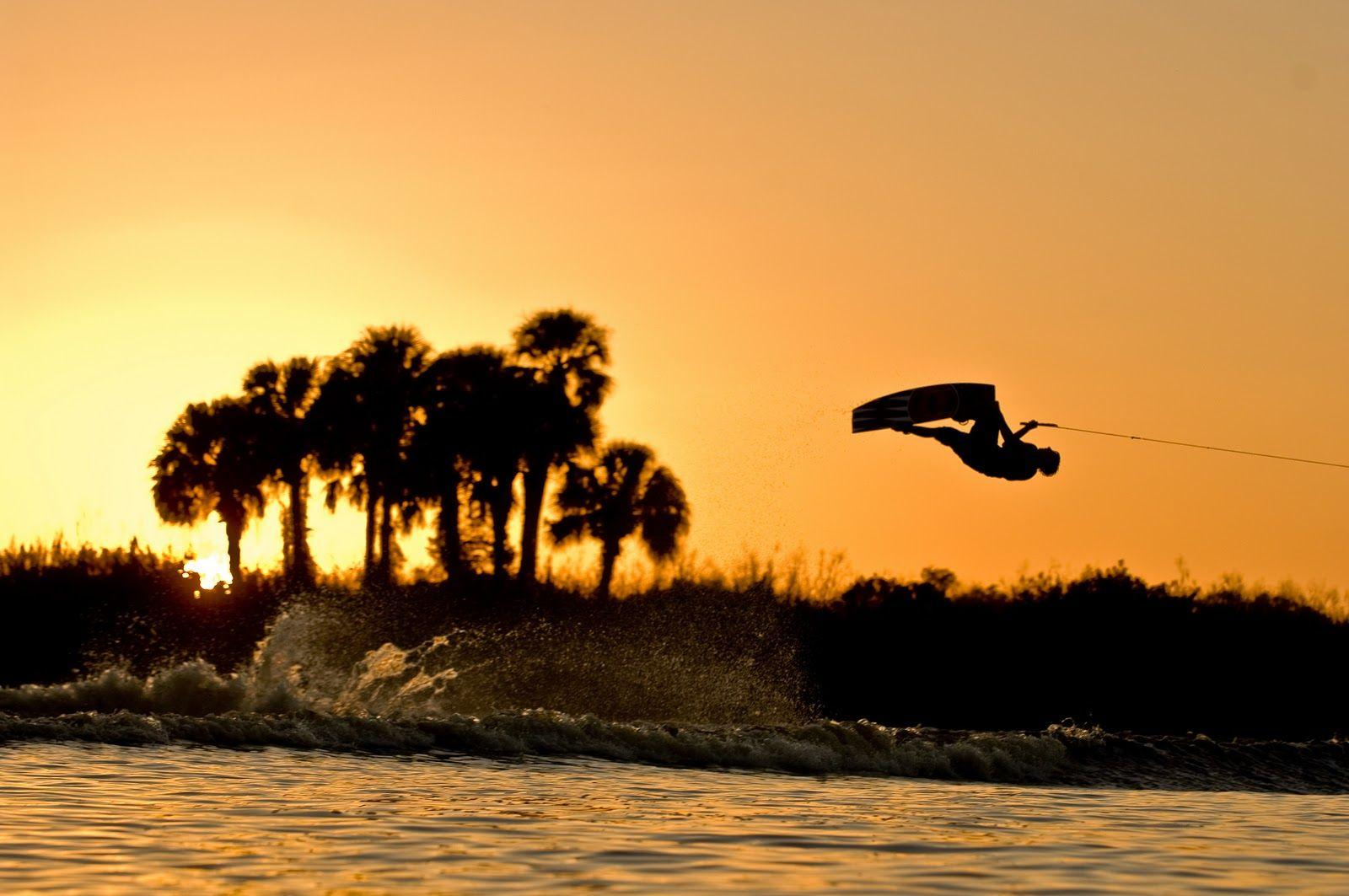 Have fun in the Calima lake in Colombia and do so wakeboard