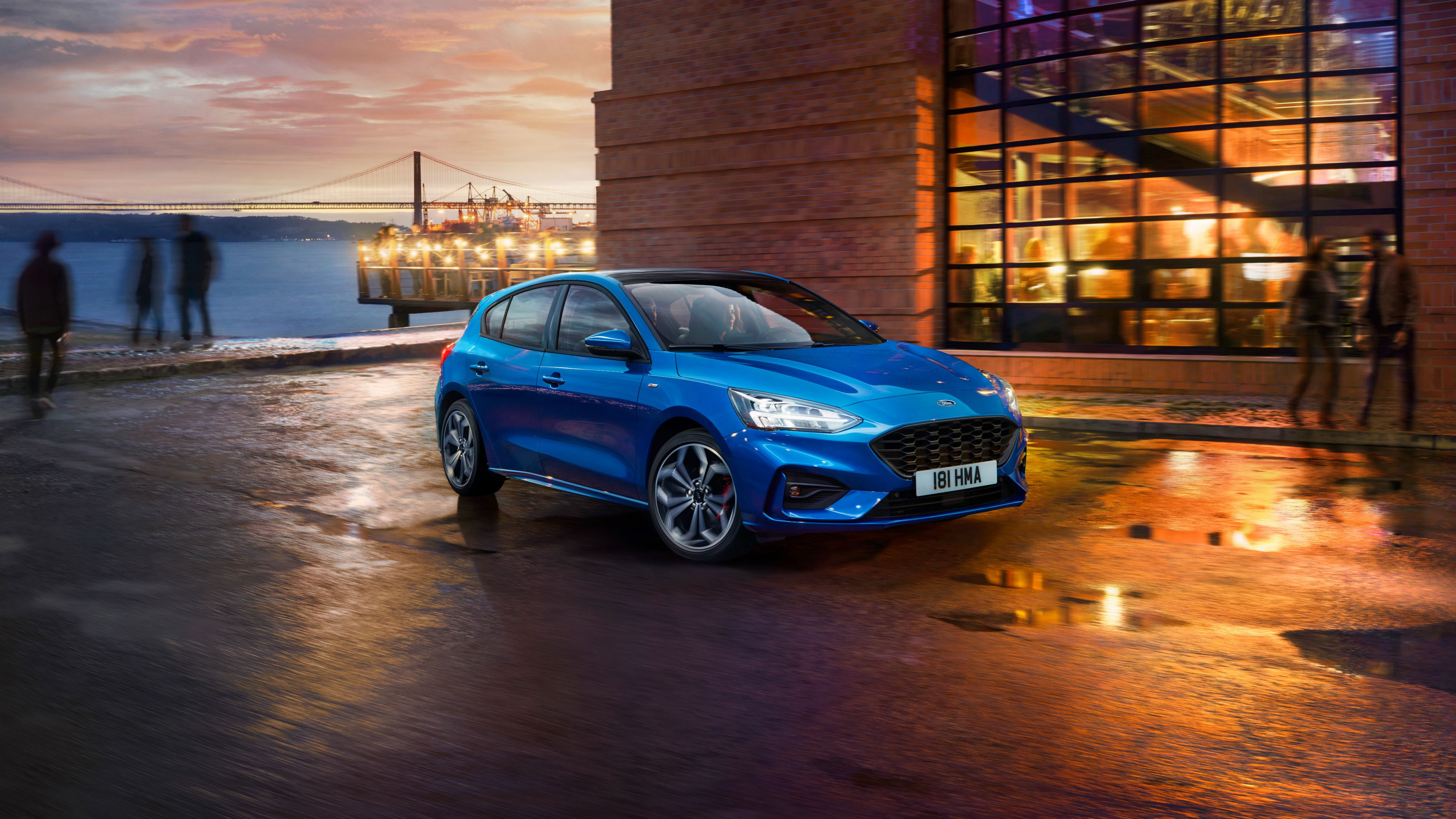 2018 Ford Focus ST Line 4K 2 Wallpapers