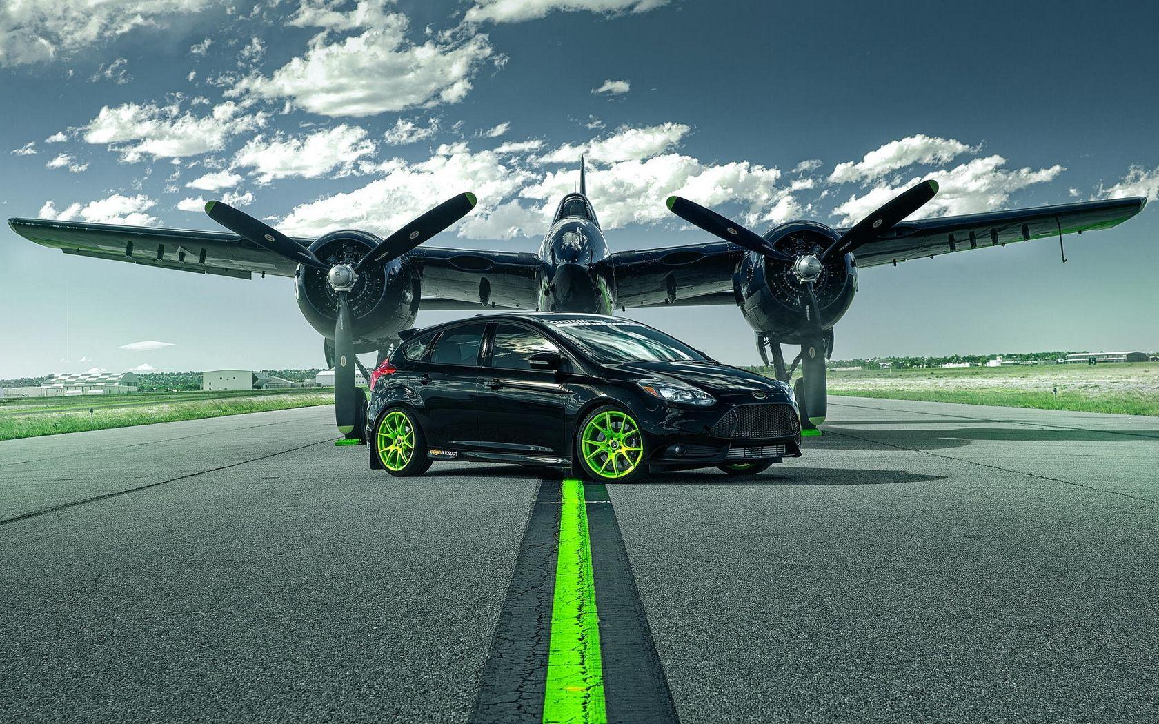 Download wallpapers 1680x1050 ford focus, st, ford, plane, runway