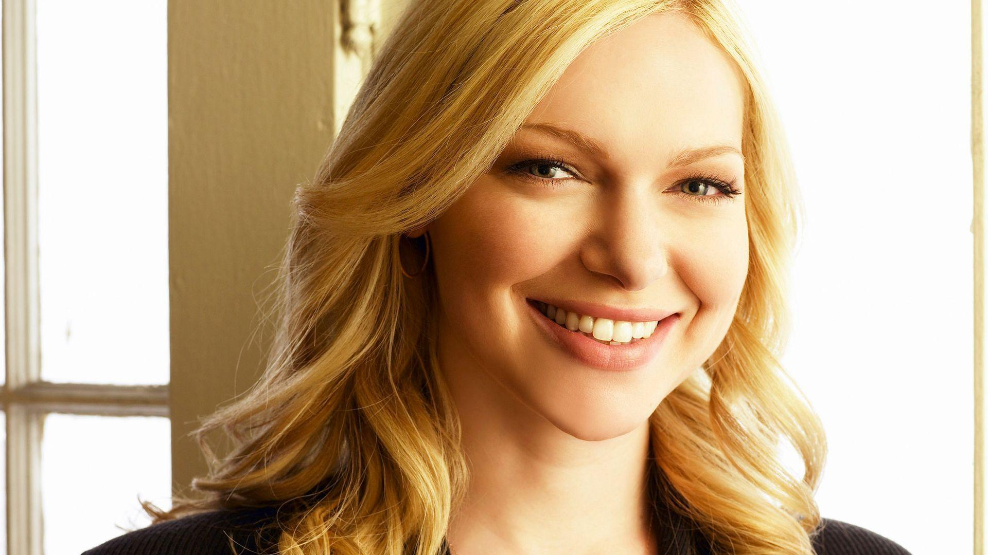 laura prepon wallpapers