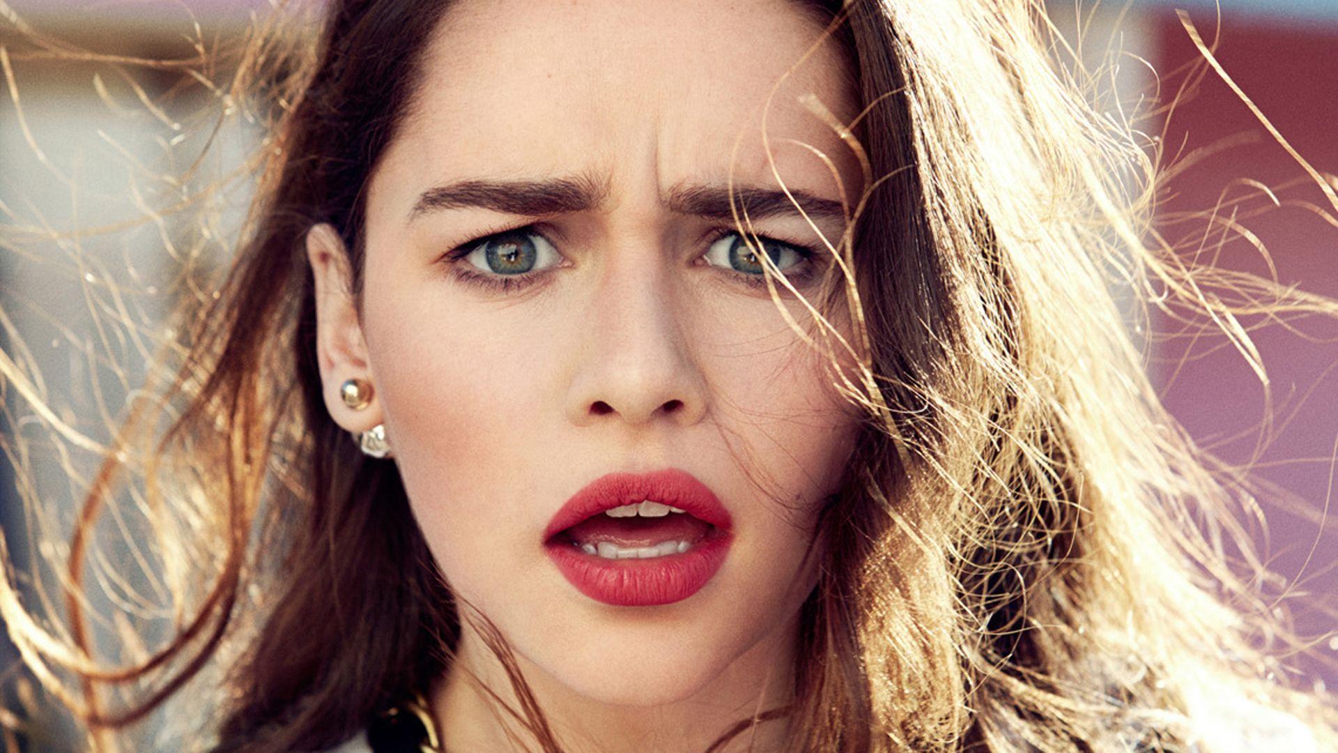 Emilia Clarke as Khaleesi artwork wallpaper
