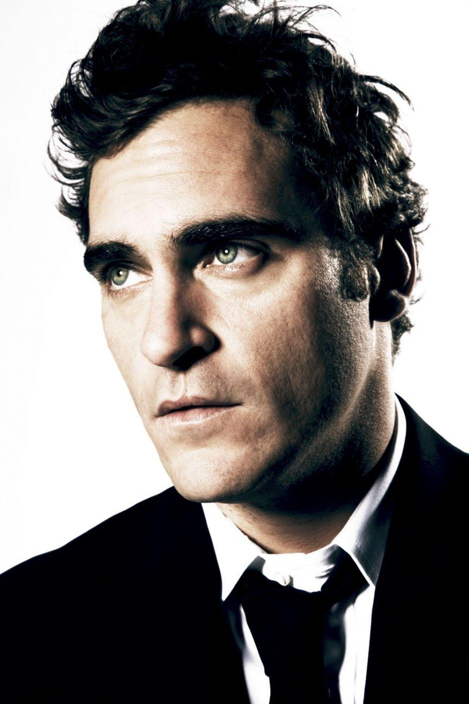 WB Trying to Land Joaquin Phoenix for Man of Steel 2 – Four Letter Nerd