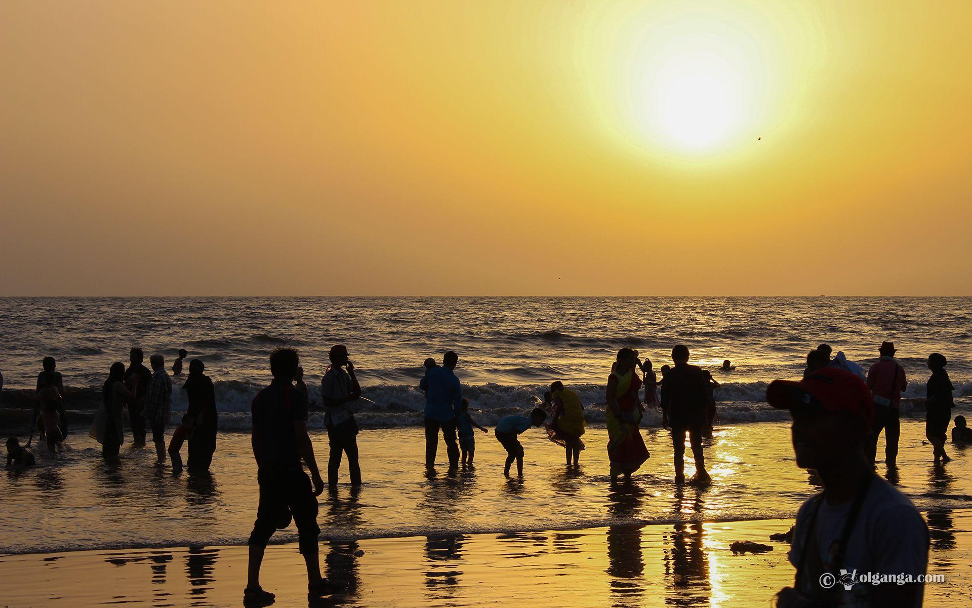 Juhu Beach in Mumbai: charming and immense