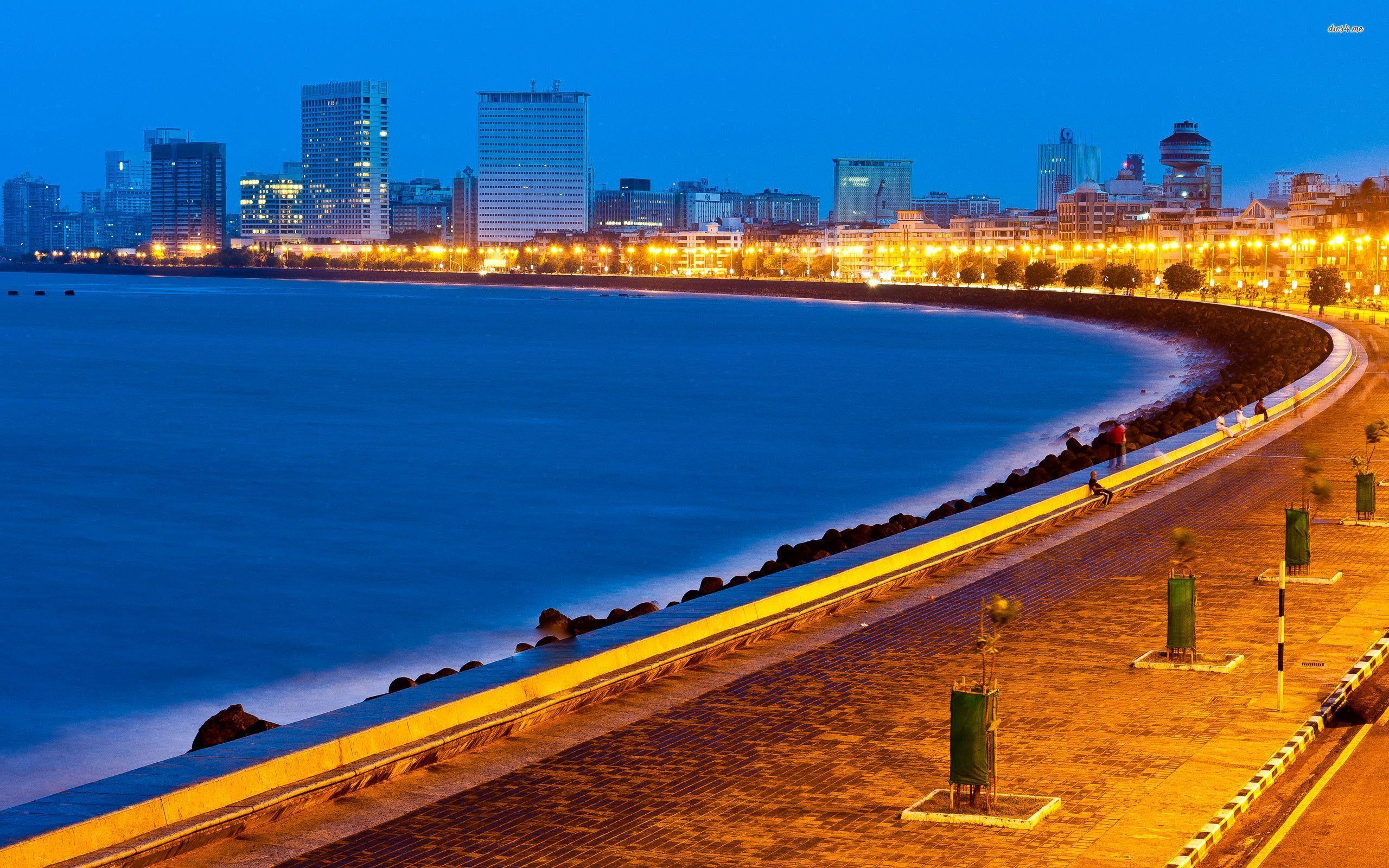 Marine Drive in Mumbai wallpapers