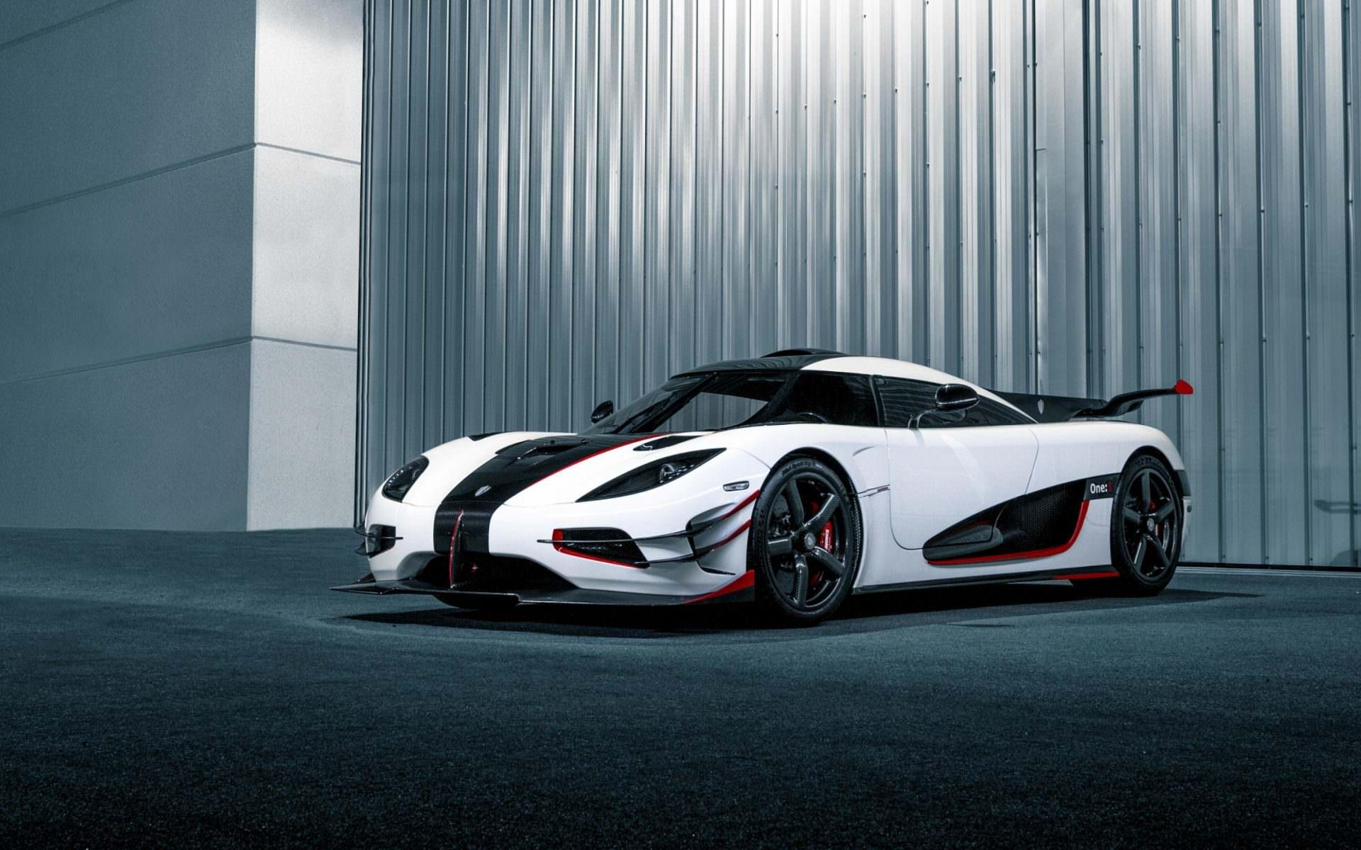 4k resolution wallpapers of the Koenigsegg Agera RS in white with