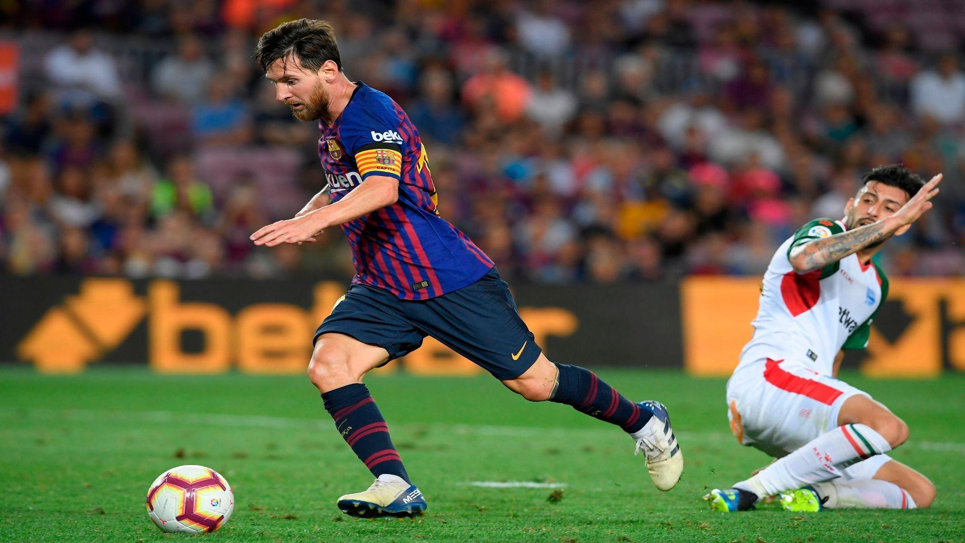 Lionel Messi earns perfect 10, sub Philippe Coutinho also stars in ...