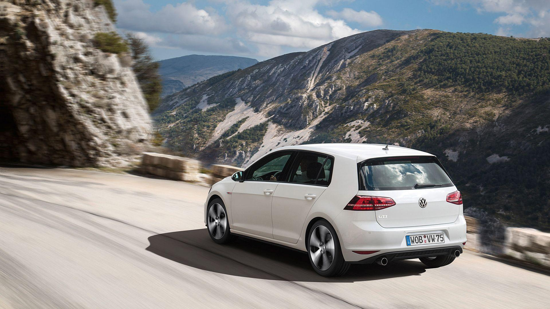 2014 Volkswagen Golf GTI Wallpapers & HD Images - WSupercars