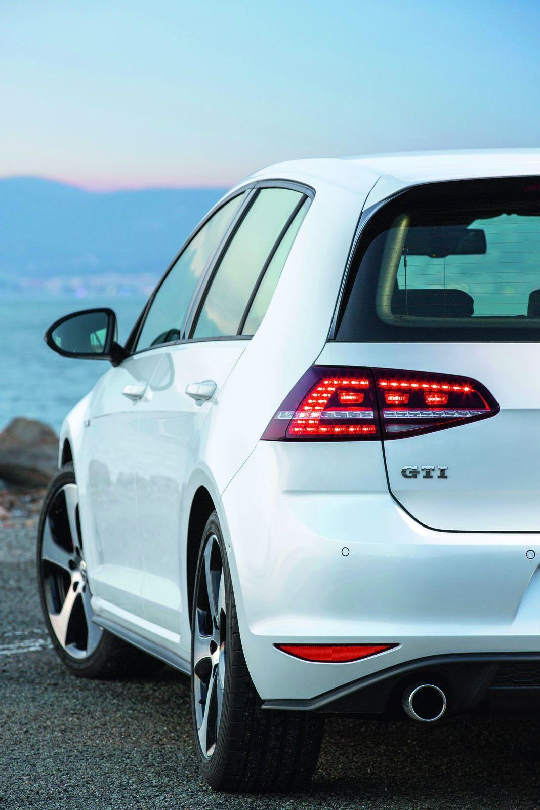 Volkswagen Golf GTI Mk7 2013 photo 97104 pictures at high resolution