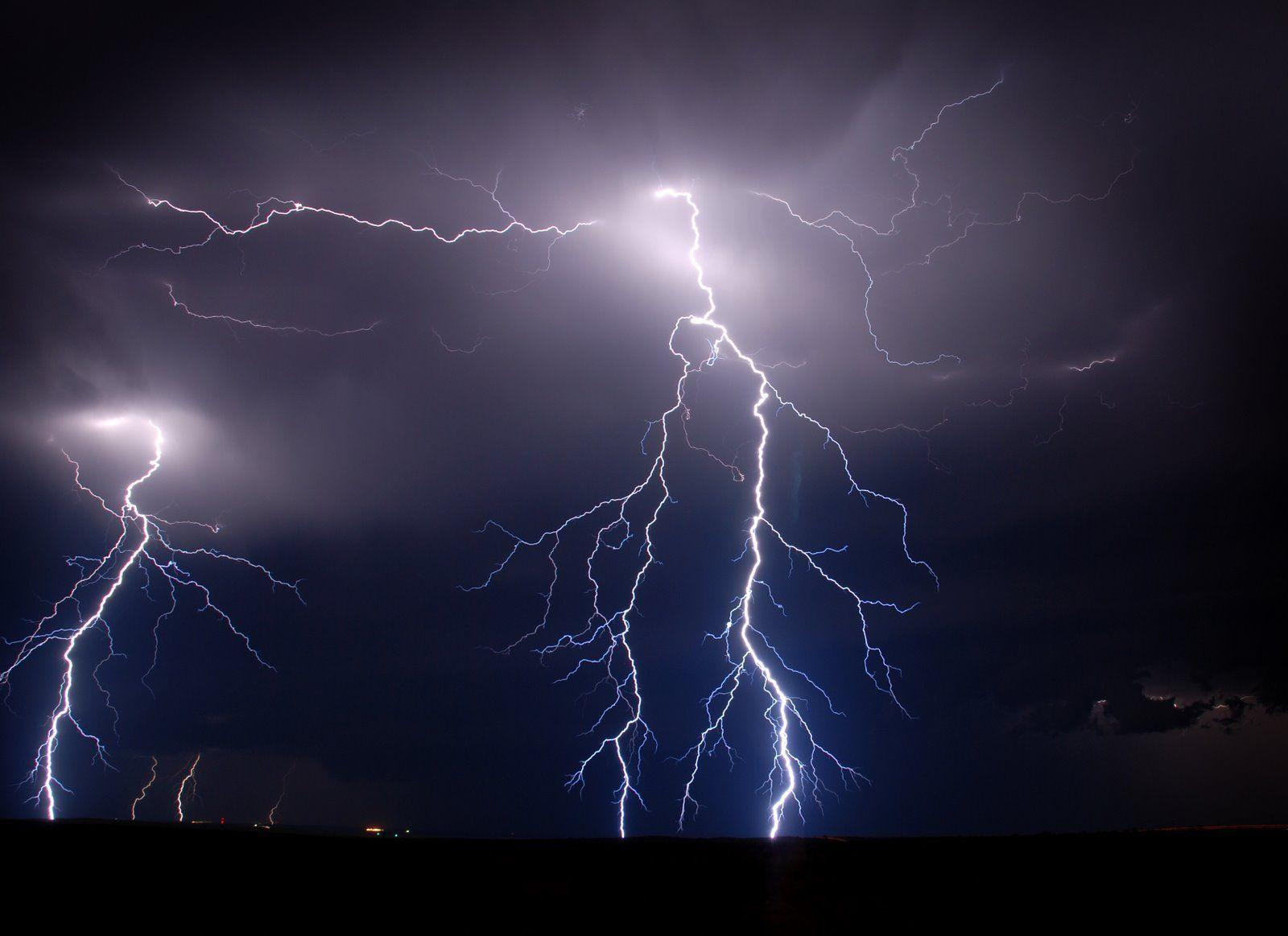 Lightning Wallpapers HD Group