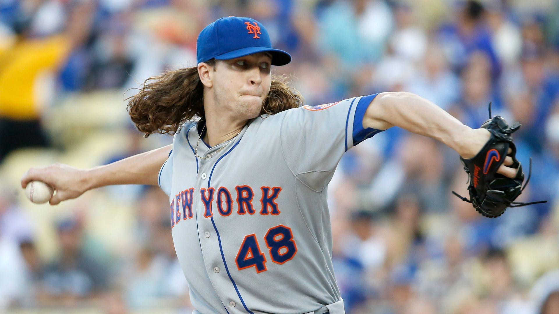 Jacob deGrom refuses to sign Mets' 2016 contract, will only make