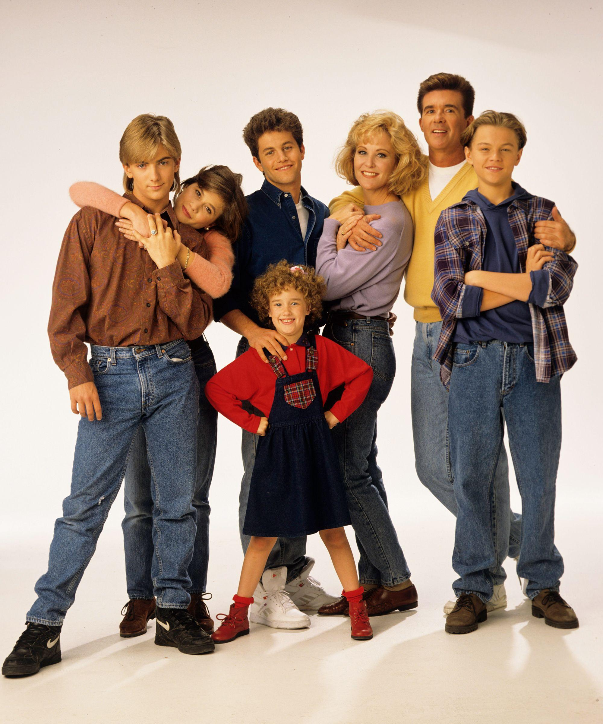 lives growing pains - HD2000×2401
