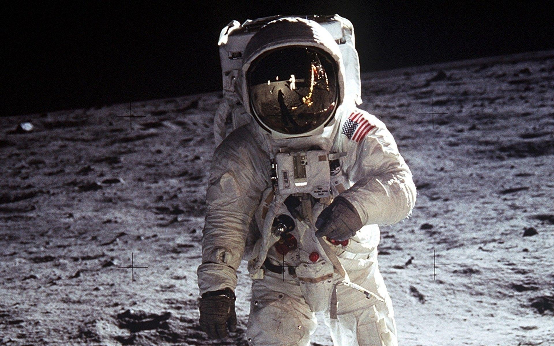Neil Armstrong, moon, Apollo 11