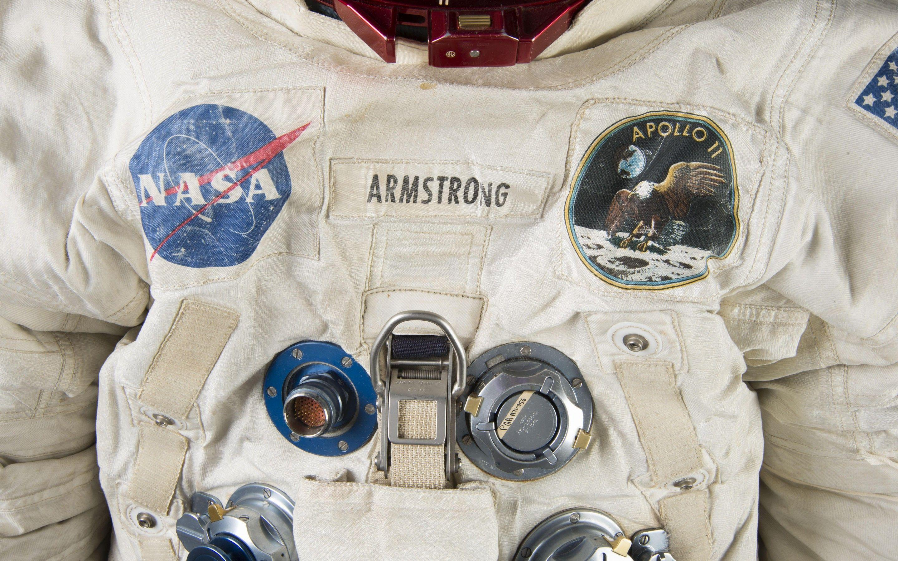 Neil Armstrong 2880x1800 Wallpapers Download