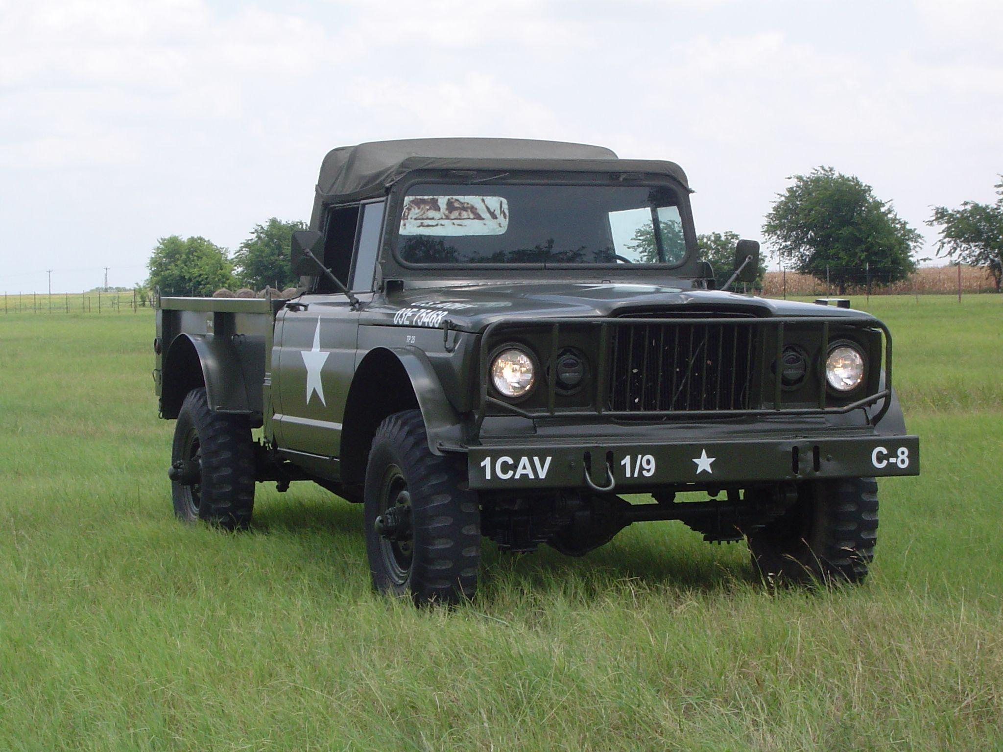 Old American 4x4 iron- M-715 (Jeep Gladiator) vs. IH Scout - MX-5 ...