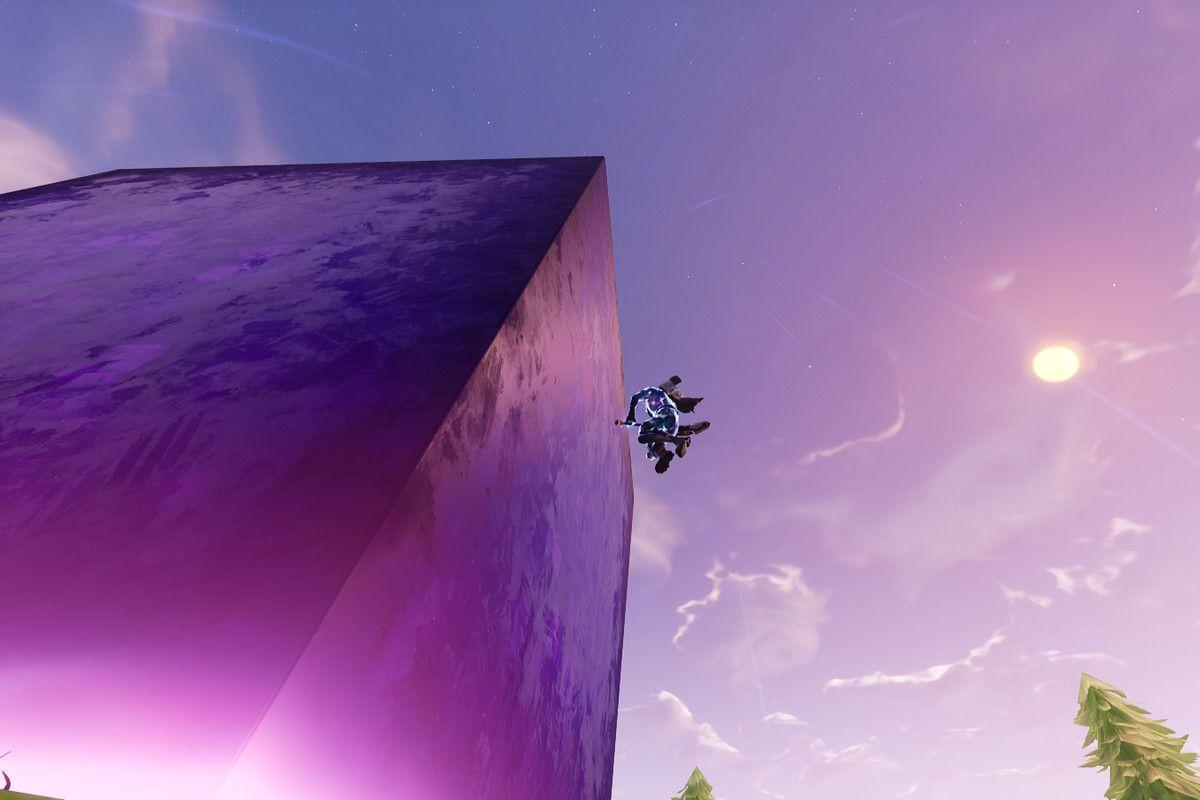 Fortnite's mysterious, giant cube continues to do weird things