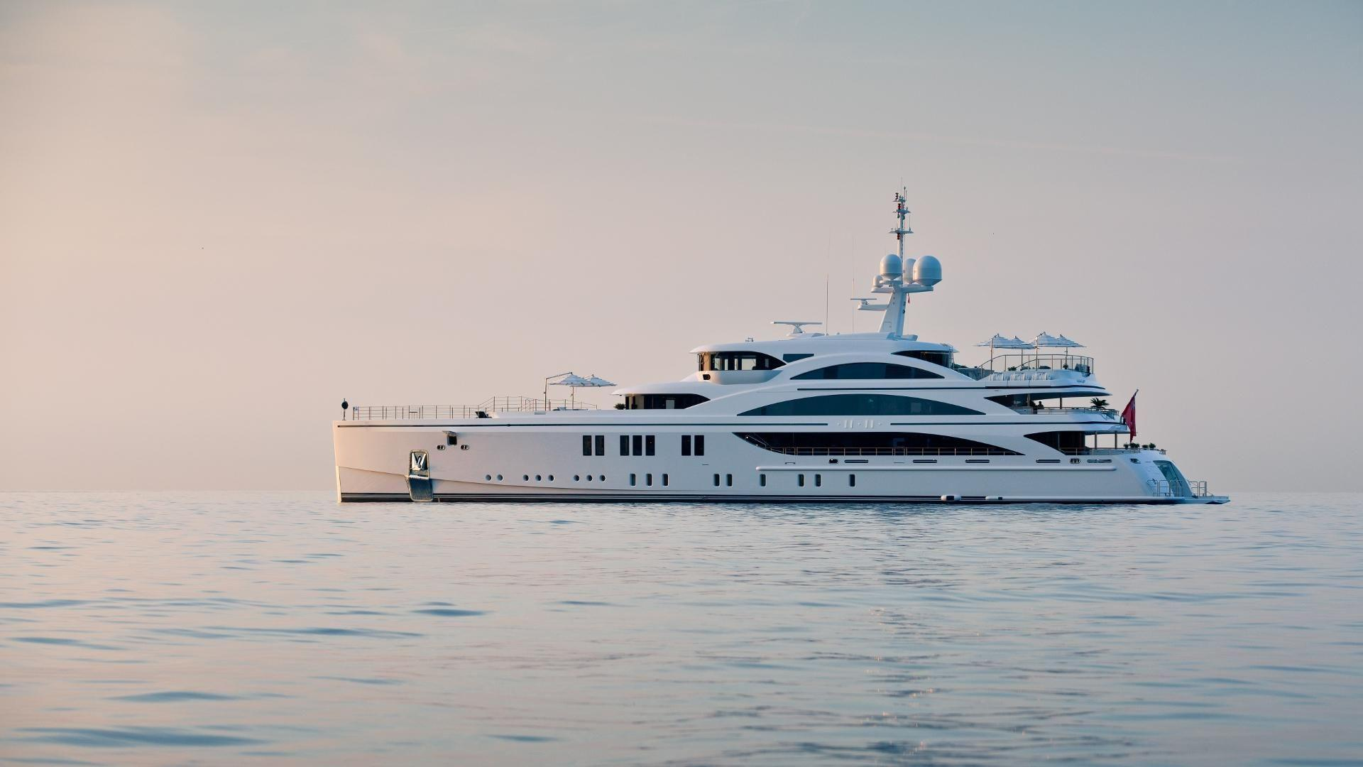 World's 7 Most Luxurious Yachts