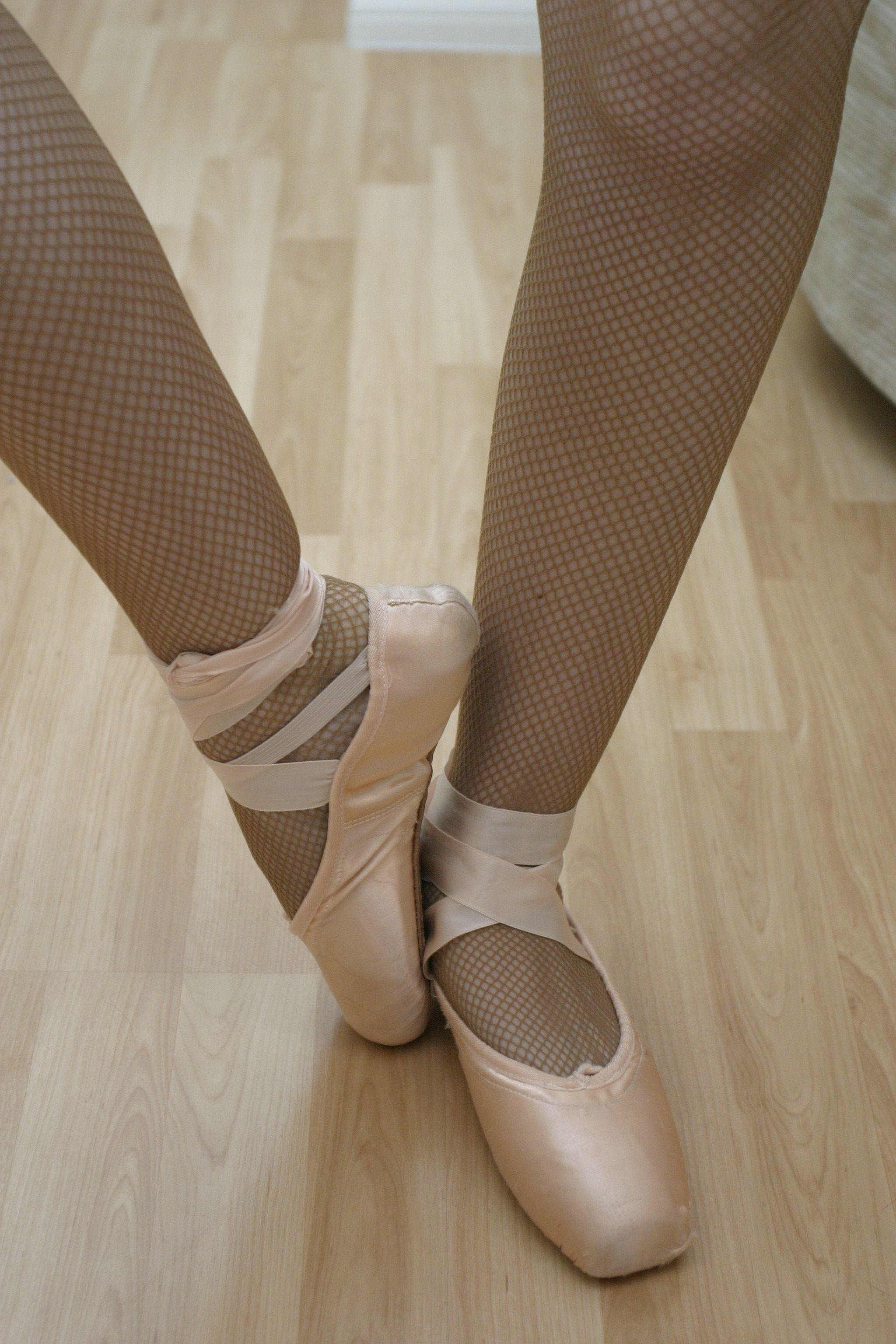 Pointe Shoes Wallpapers - Wallpaper Cave