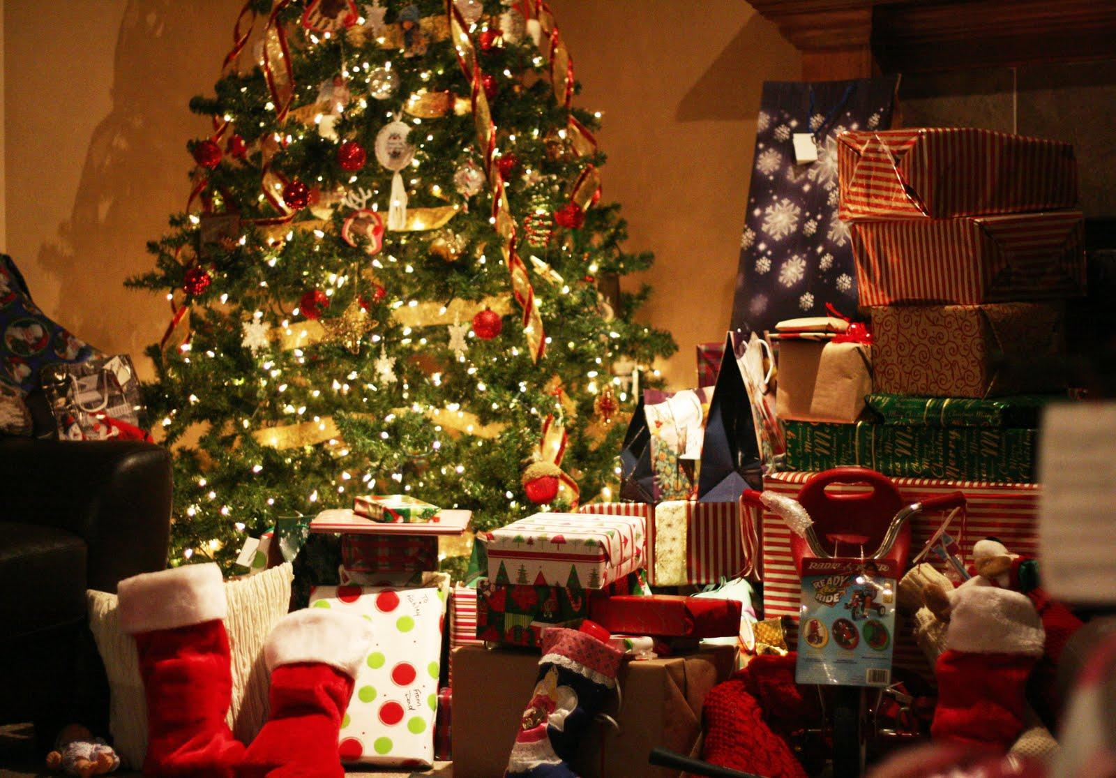 Christmas Presents Wallpapers Wallpaper Cave