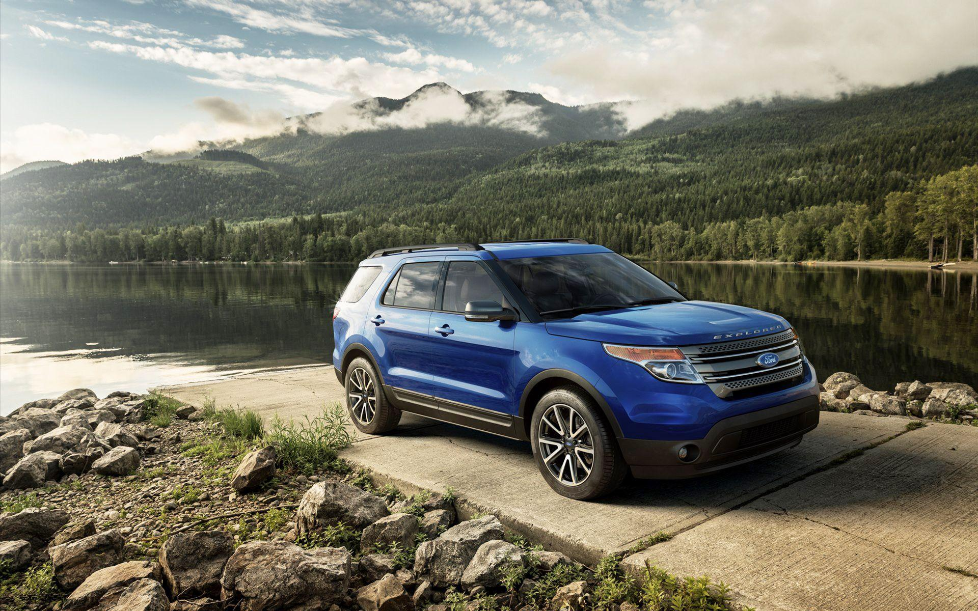 2015 Ford Explorer XLT Wallpapers