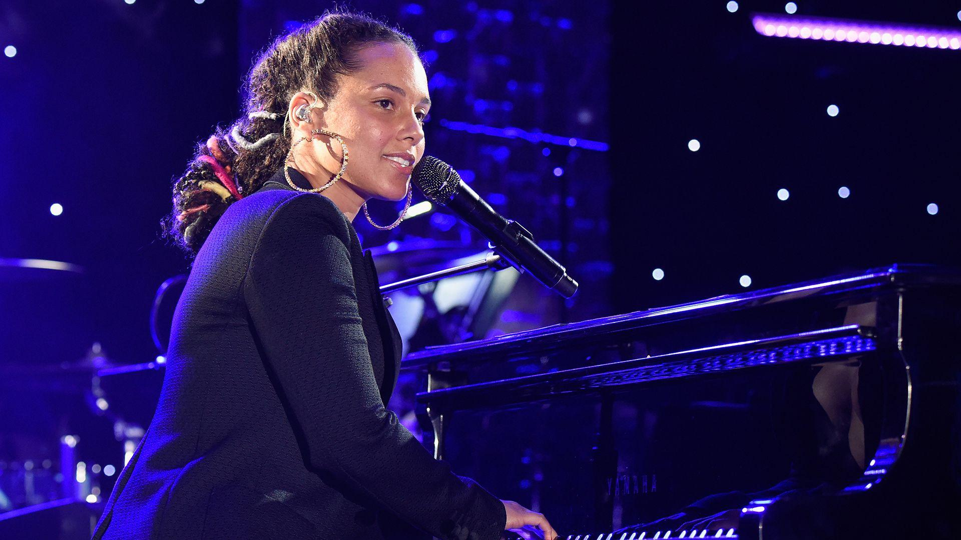 Grammys 2019 Host | Alicia Keys First Woman to Host Grammys in 14 ...