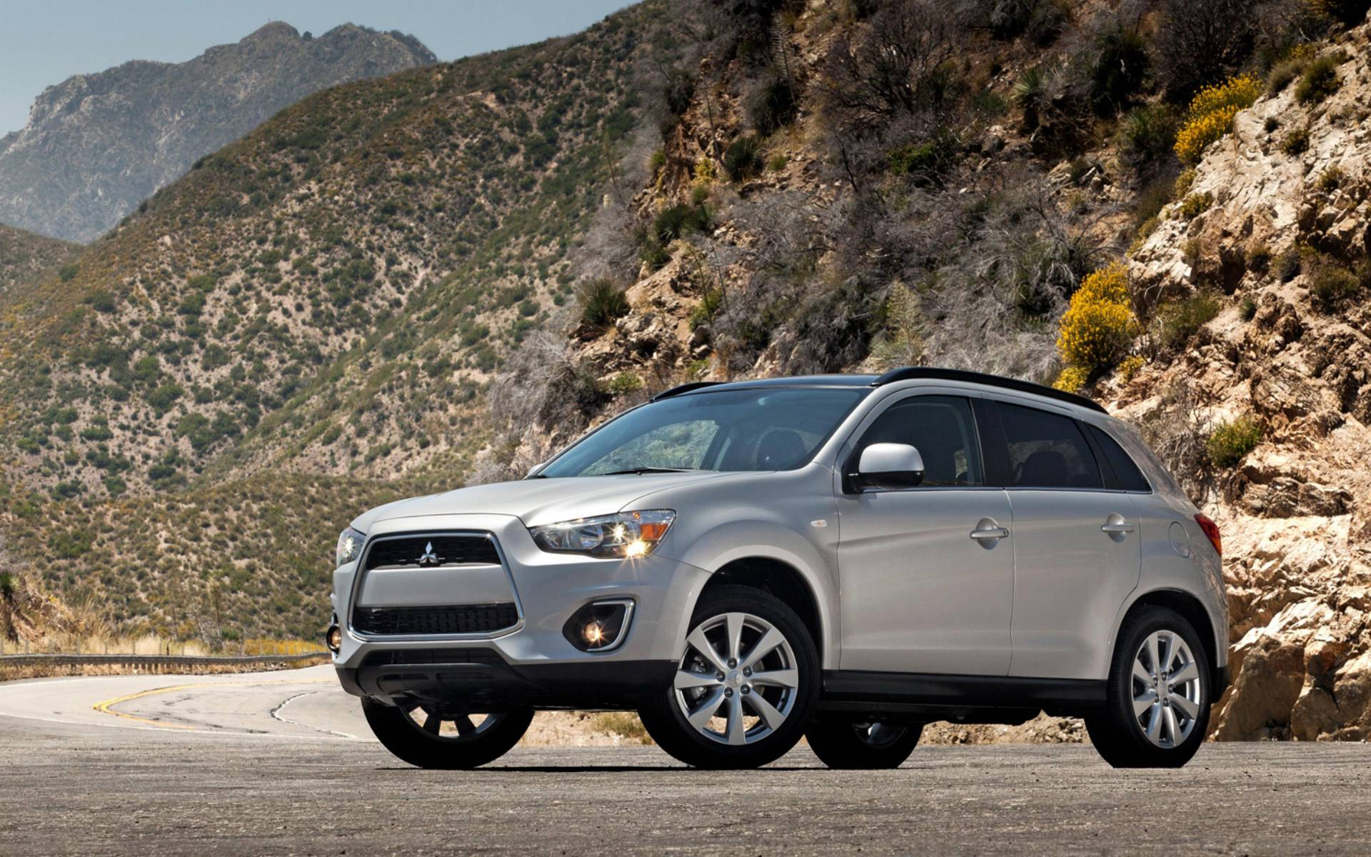2013 Mitsubishi Outlander Wallpapers - Best Wallpaper