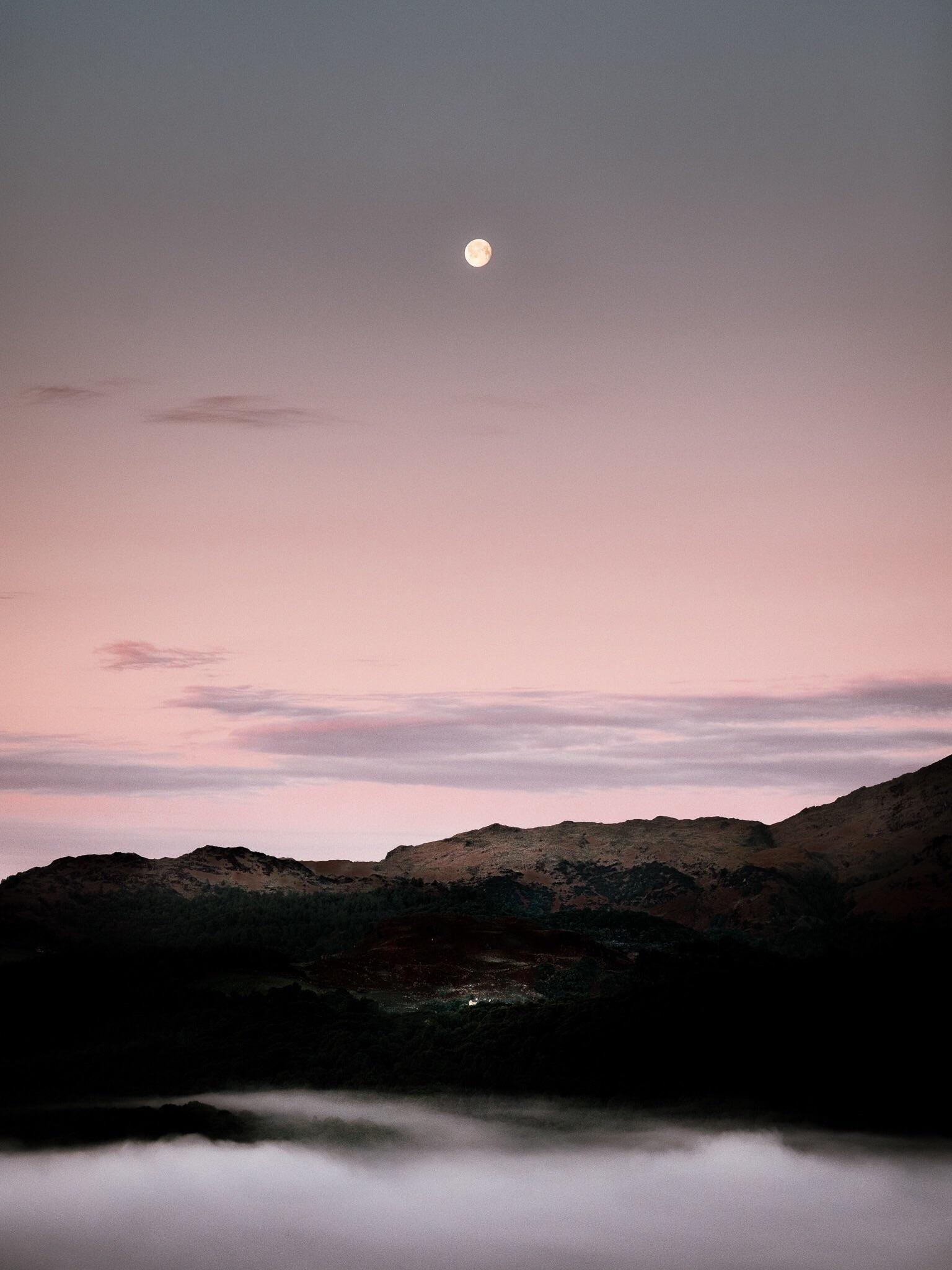 Moonrise over the Lakeland Mountains [OC] [1536x2048] Want an iPad