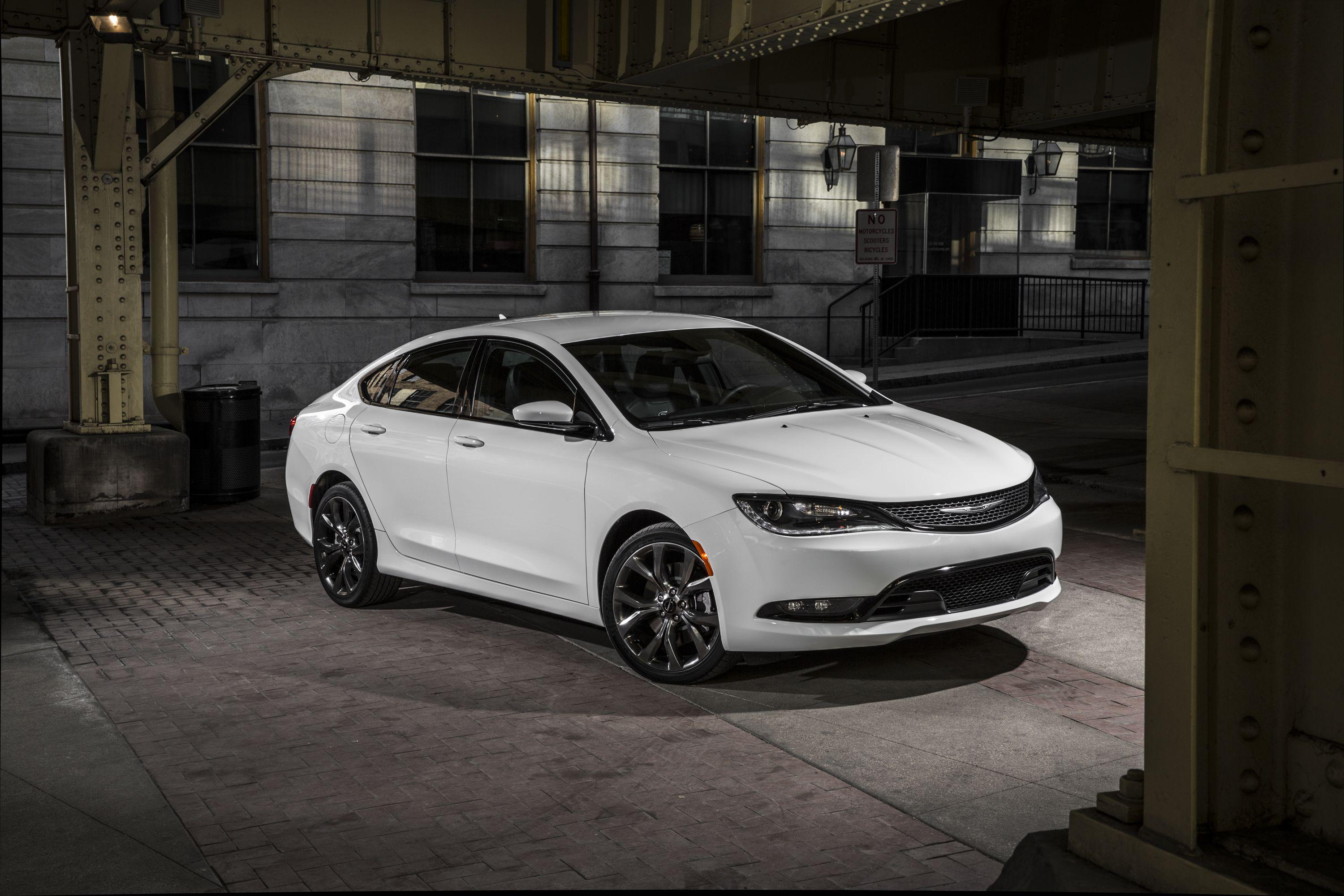 Chrysler 200 Wallpapers and Backgrounds Image