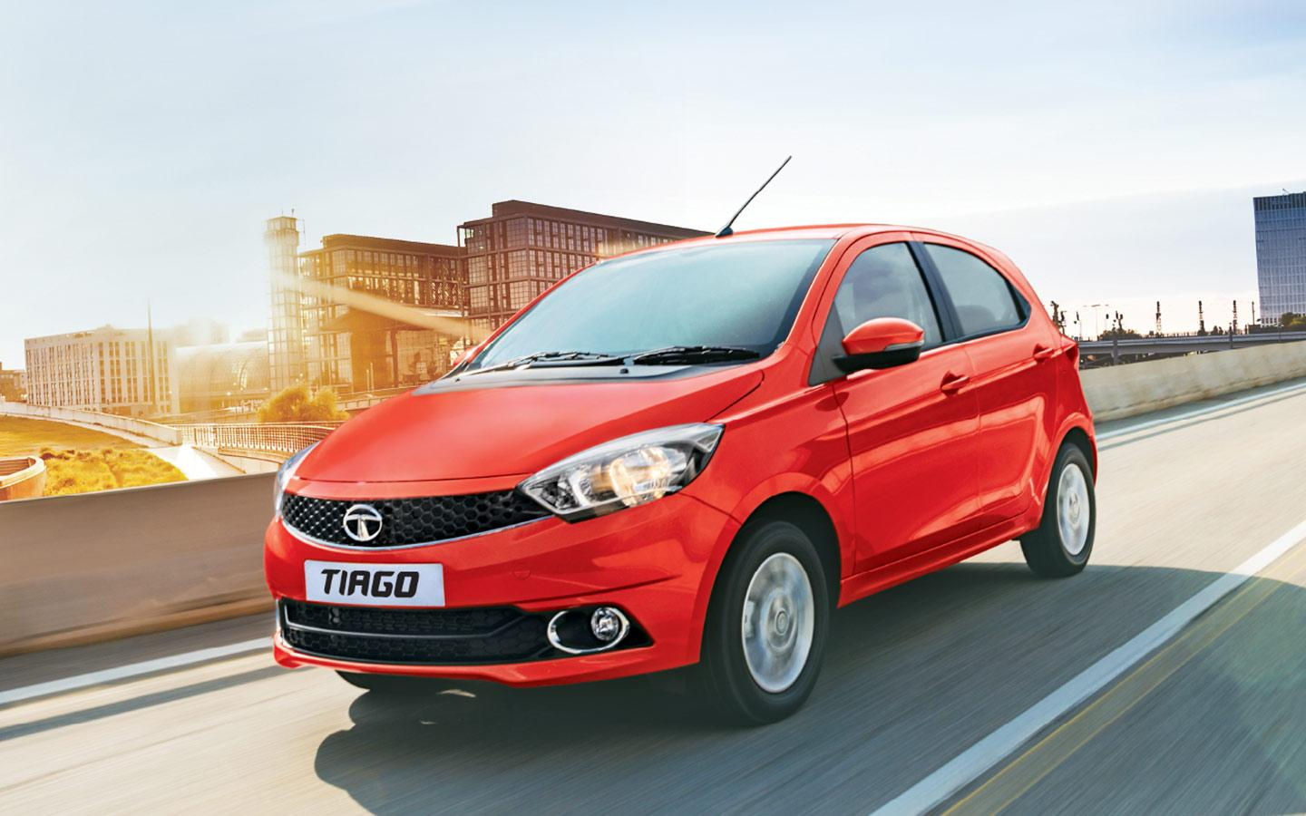 Tata Tiago - Wallpapers