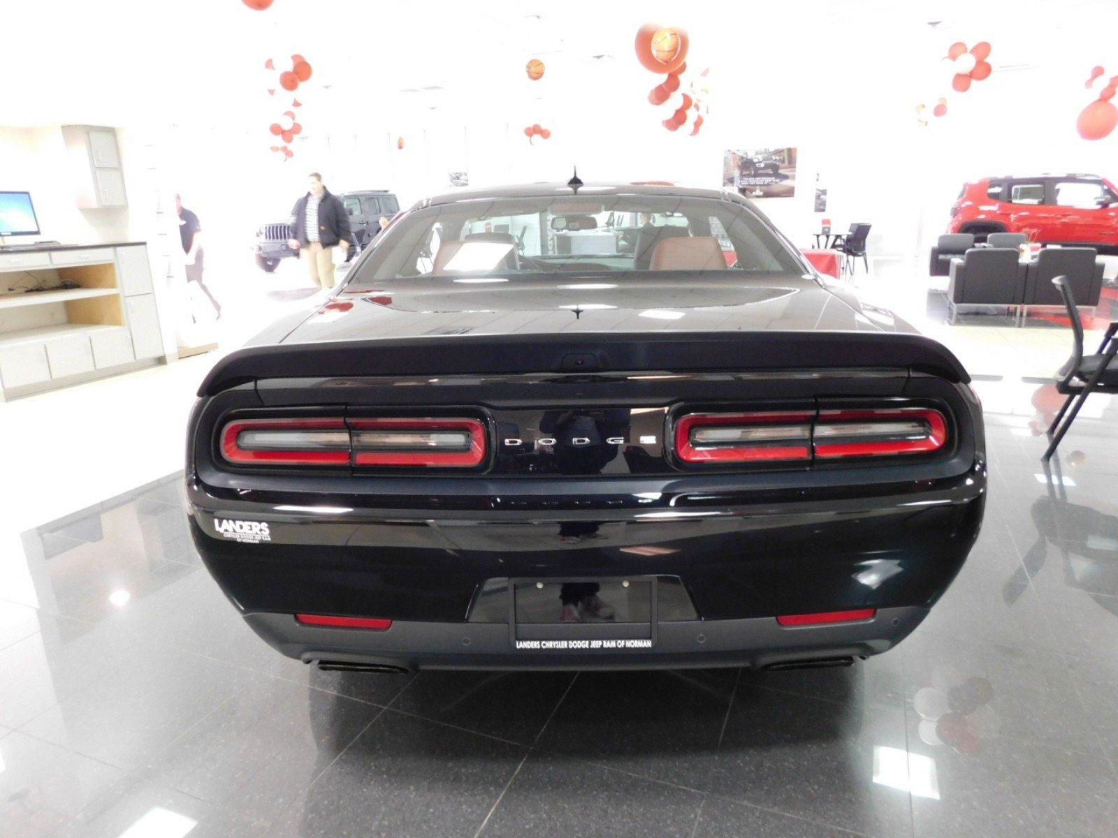 New 2019 DODGE Challenger SRT Hellcat Coupe in Norman