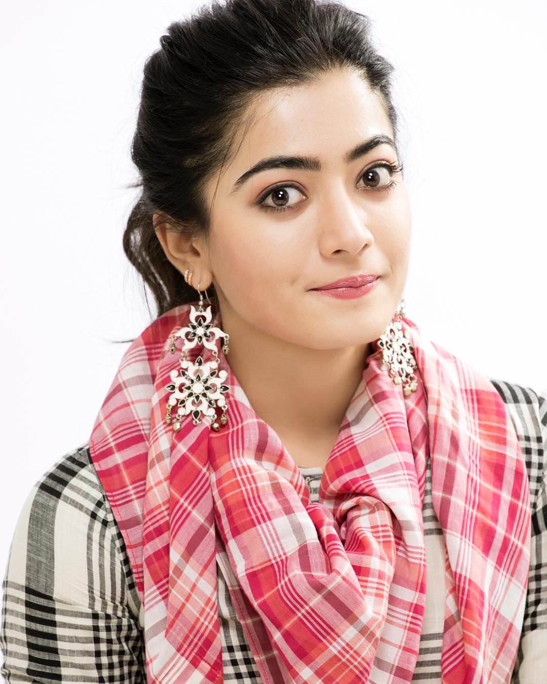 Rashmika Mandanna HD Image and Wallpapers, Cute image