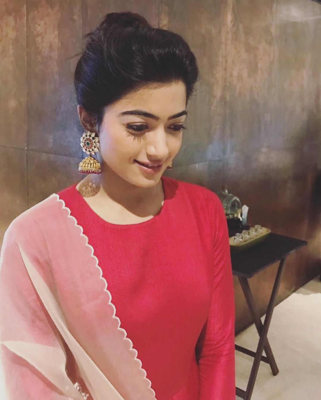 Rashmika Mandanna New Latest HD Photos