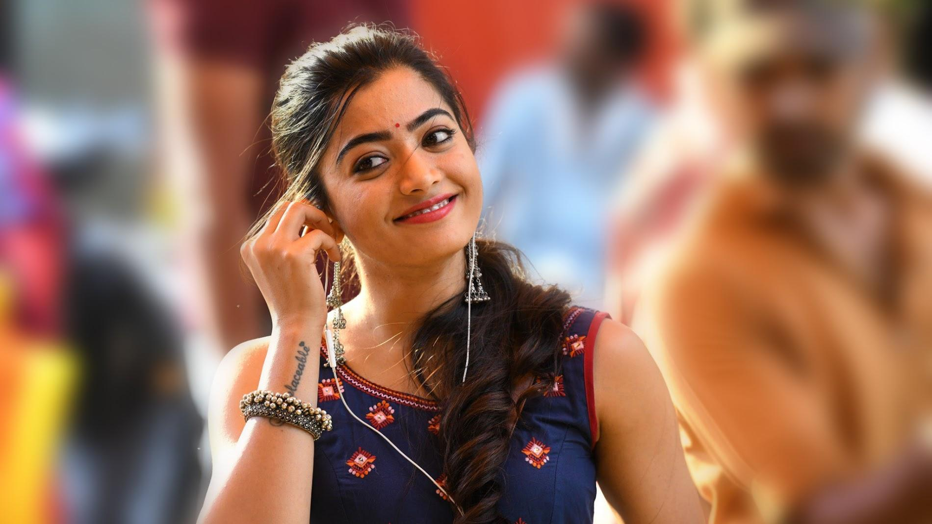 Top 12 Wallpapers of Rashmika Mandanna