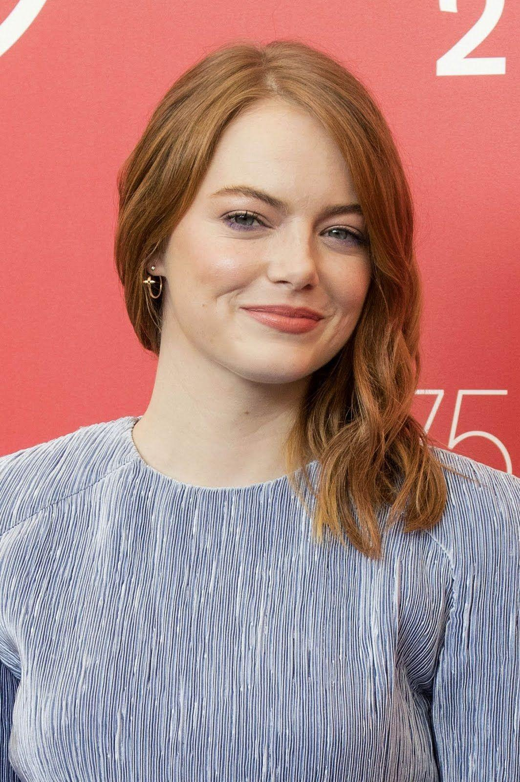 HD Wallpapers: Emma Stone At The Favourite Photocall At 2018 Venice