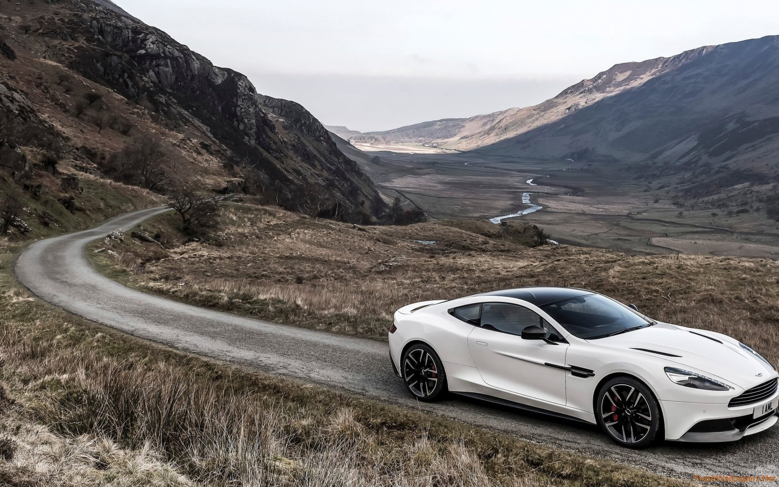2015 Aston Martin Vanquish Carbon White wallpapers ...