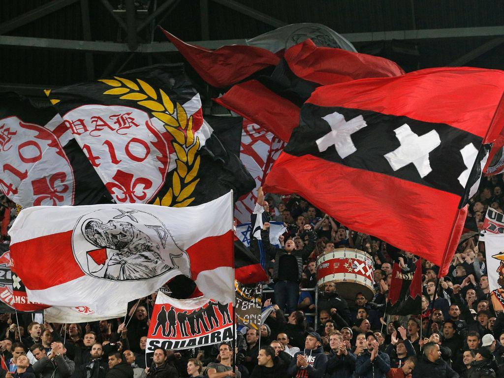 Champions League » acutalités » France bans Ajax fans without