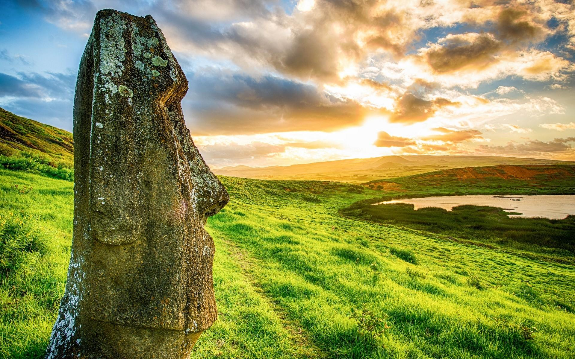 Easter Island Head Wallpapers