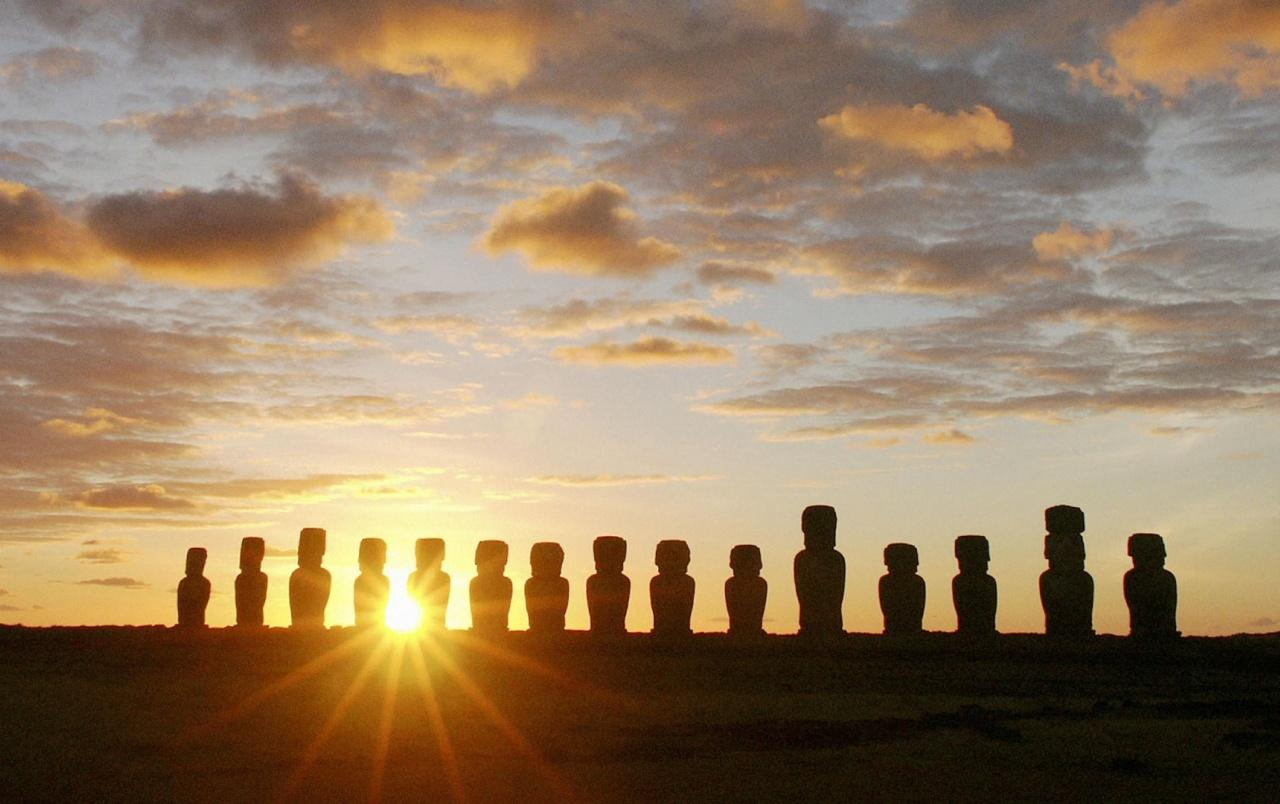 Easter Island Dawn wallpapers