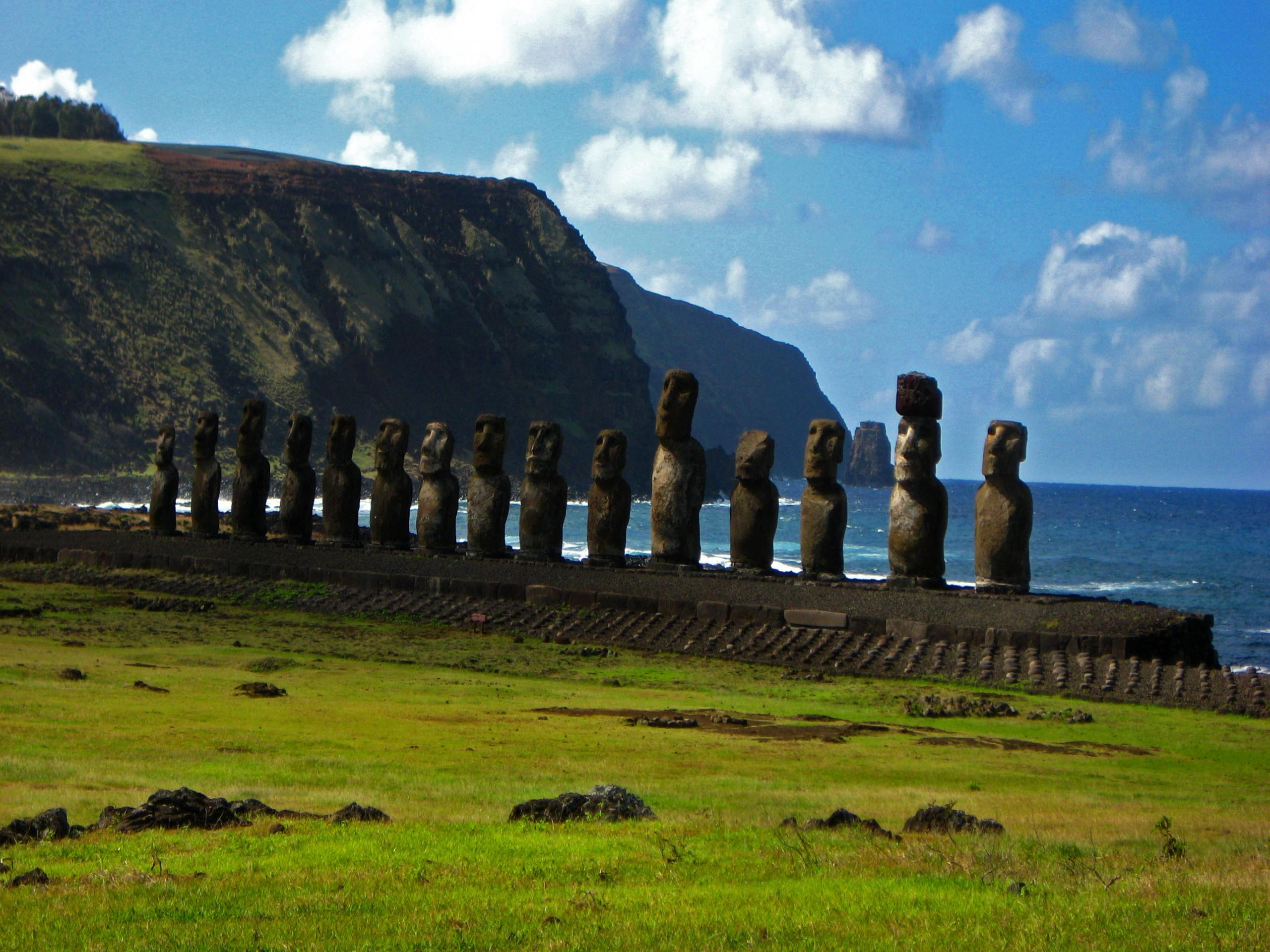 File: Easter Island Wallpapers