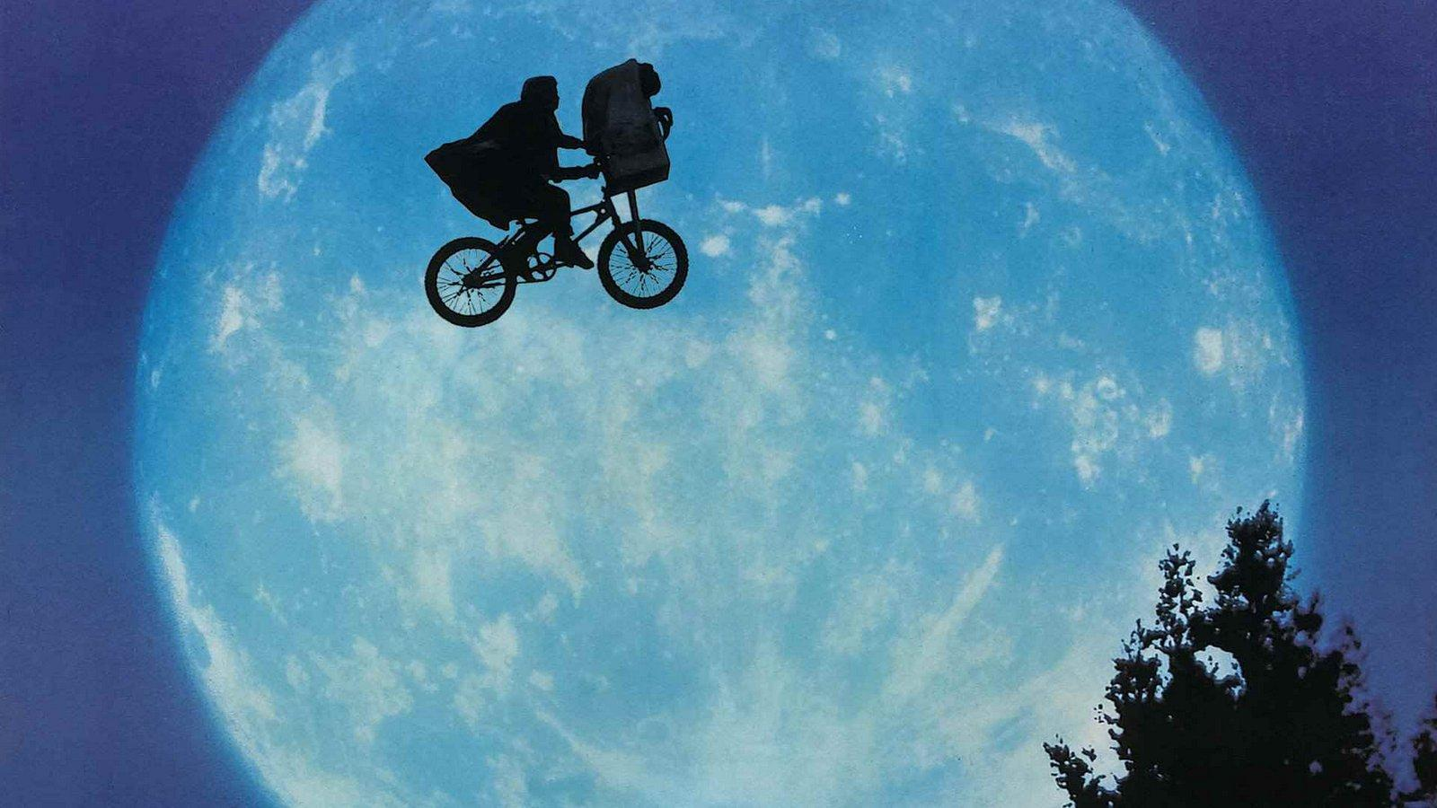 Dinner and a movie: 'E.T. the Extra