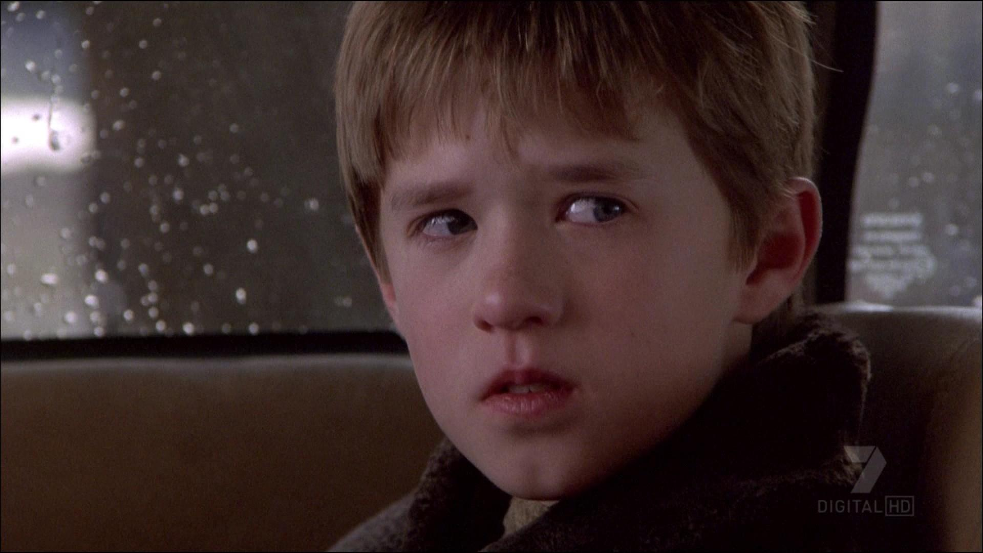 The Sixth Sense' Surprise Ending Is Obvious If You Pay Attention To
