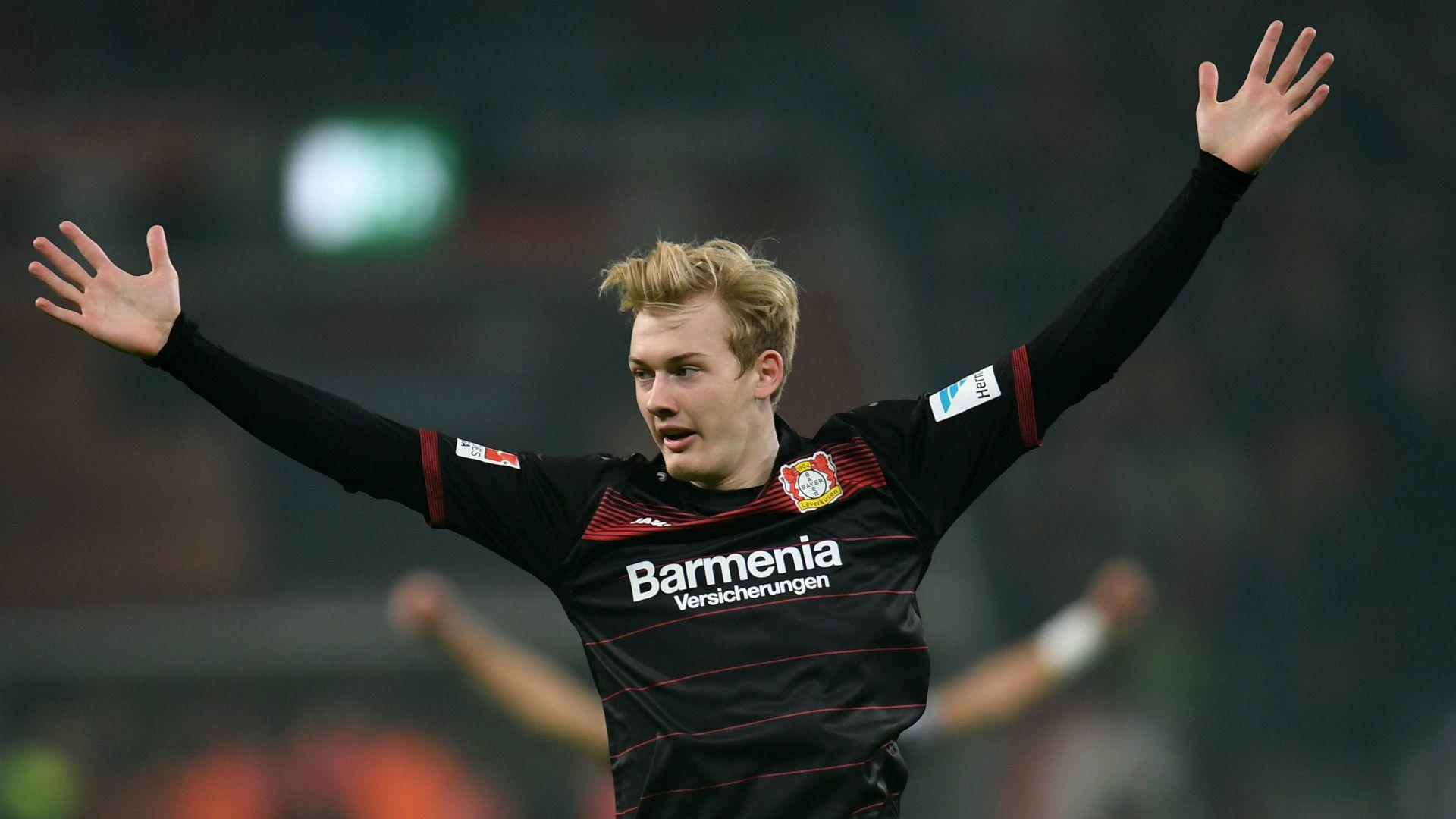 Liverpool & Bayern target Brandt signs new Leverkusen contract