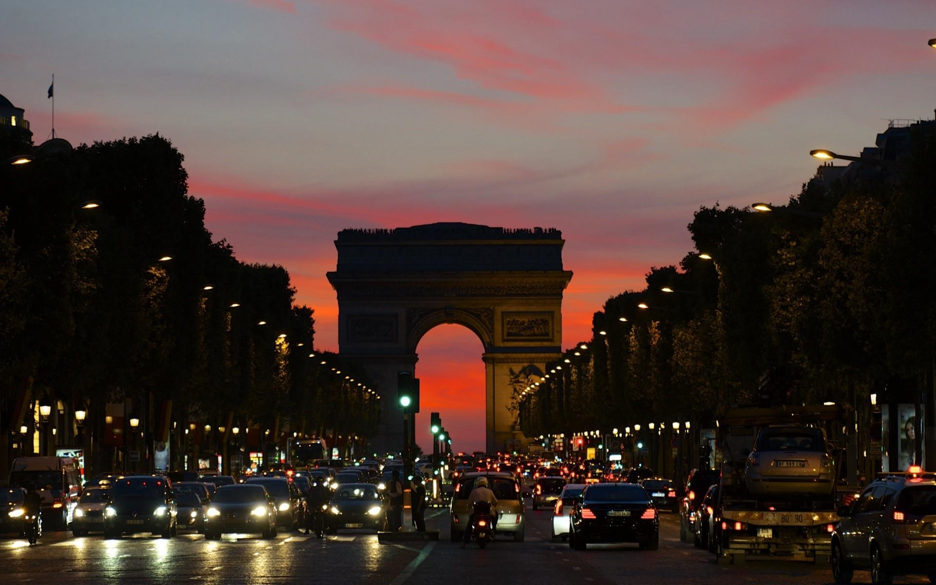 Arc De Triomphe Boulevard. Desktop wallpapers for free