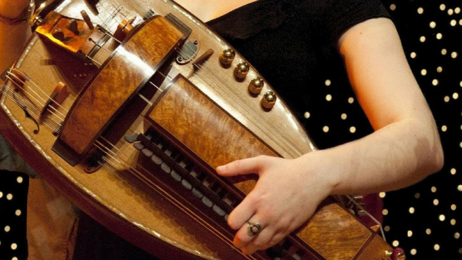Hurdy Gurdy & Bagpipes – Halsway Manor